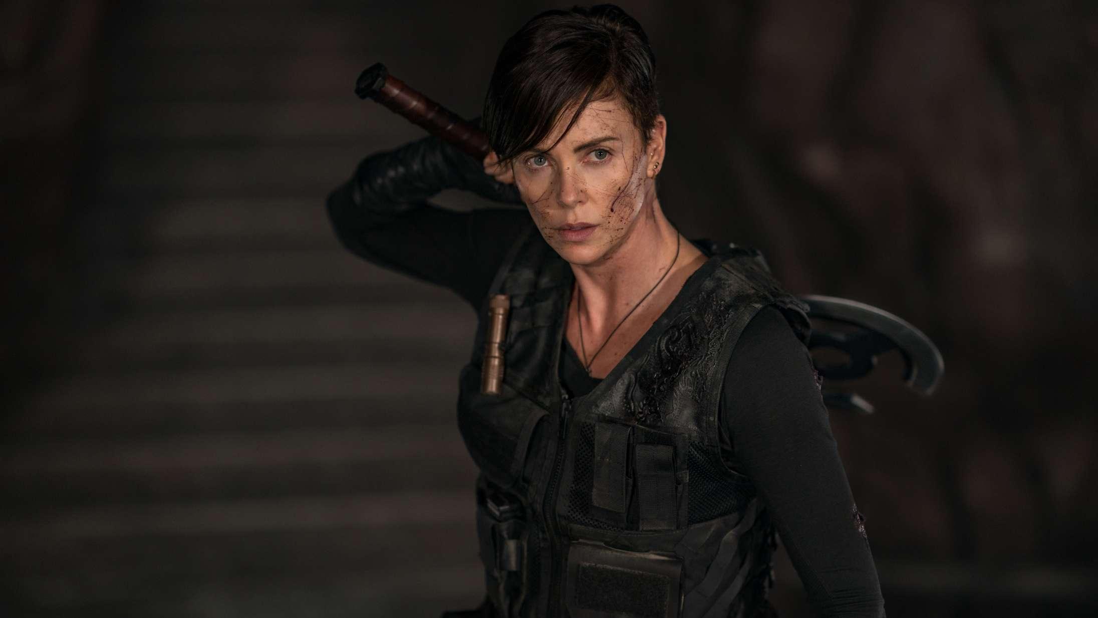 'The Old Guard': Charlize Theron er en tornado i rå og oprigtig Netflix-action