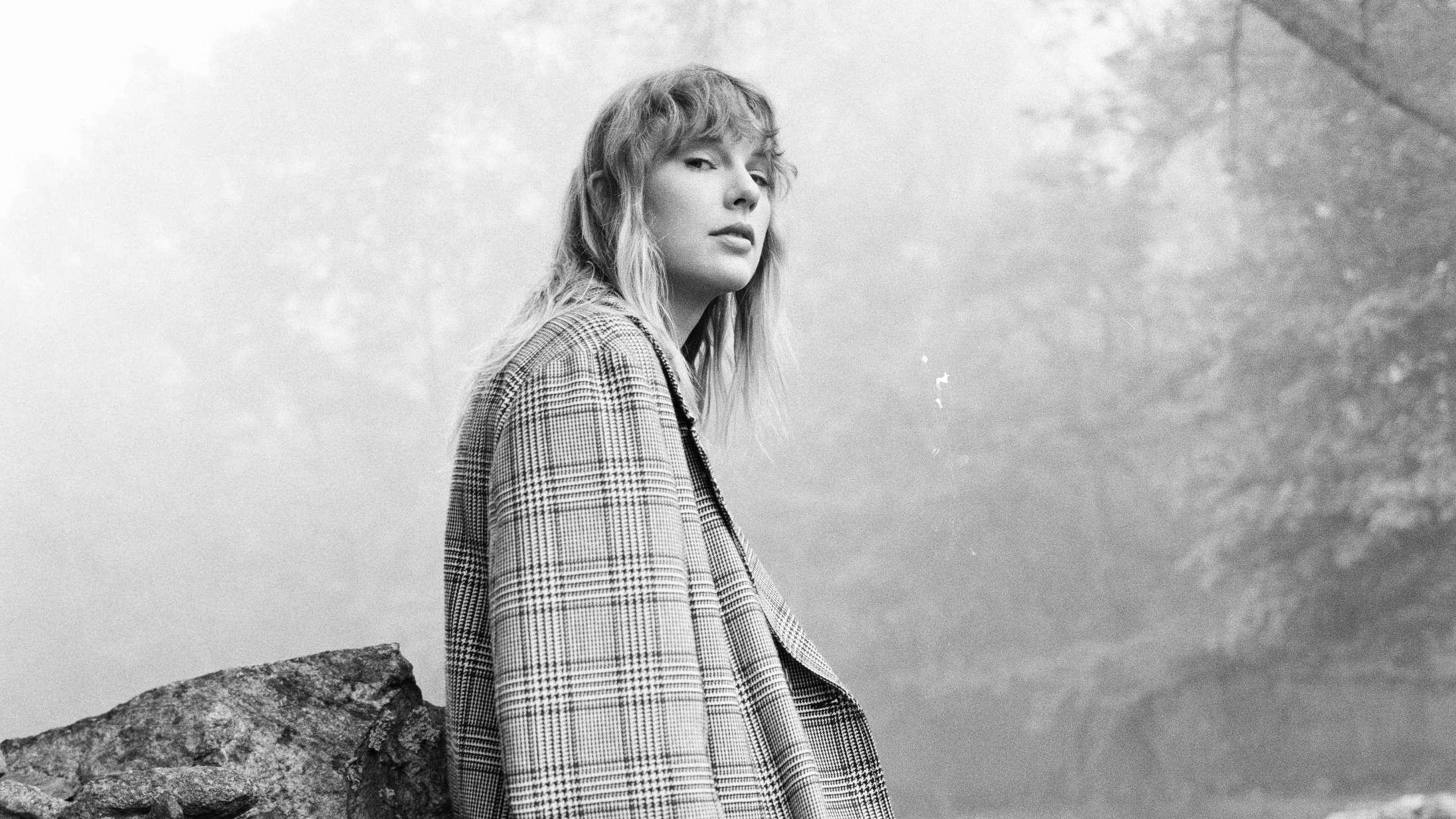 Taylor Swift fortæller historien bag en af årets bedste sange – og afslører, hvorfor det var fantastisk at synge 'fuck'