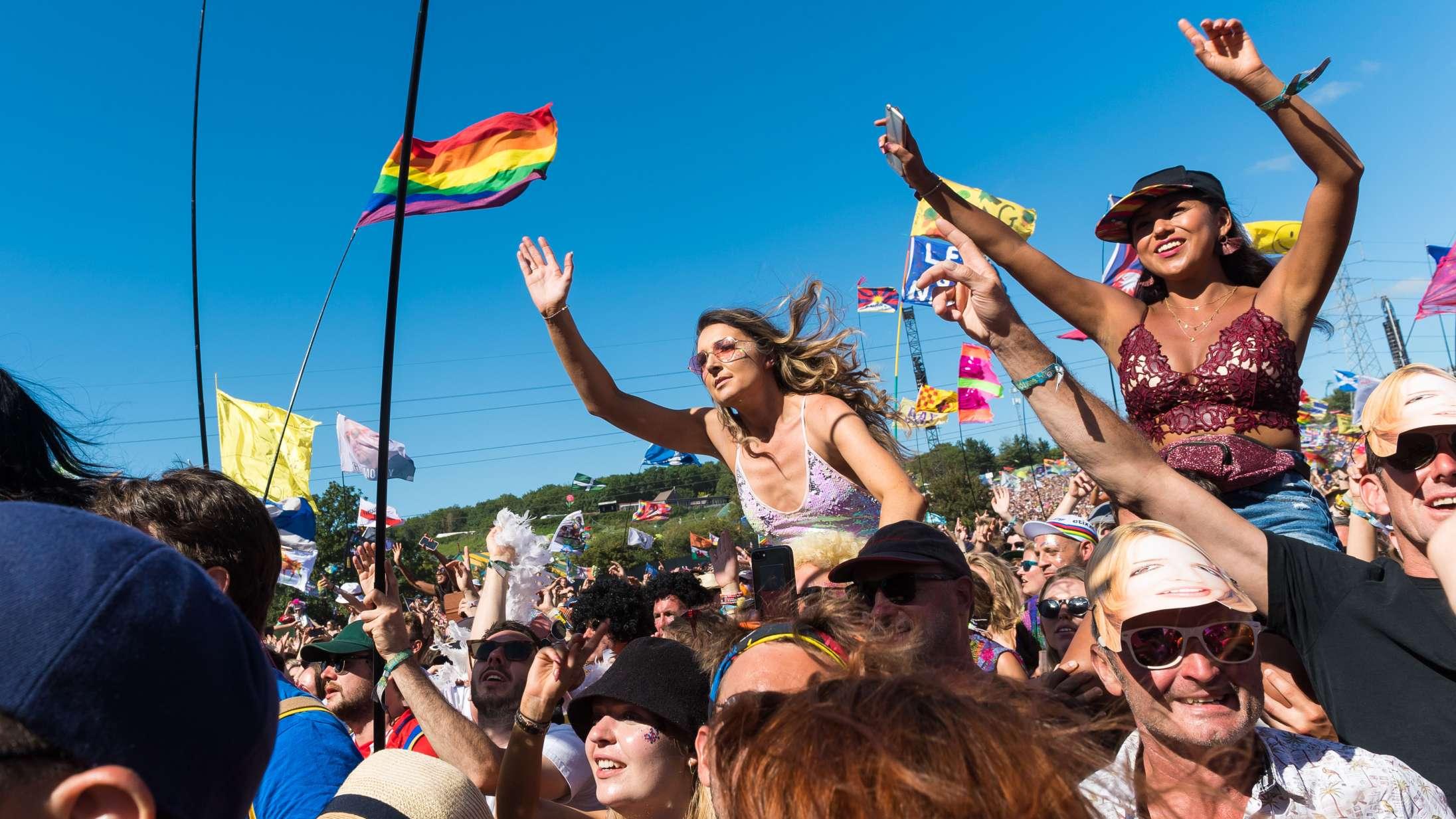 Glastonbury Festival aflyses for andet år i træk – kan det få betydning for Roskilde Festival?