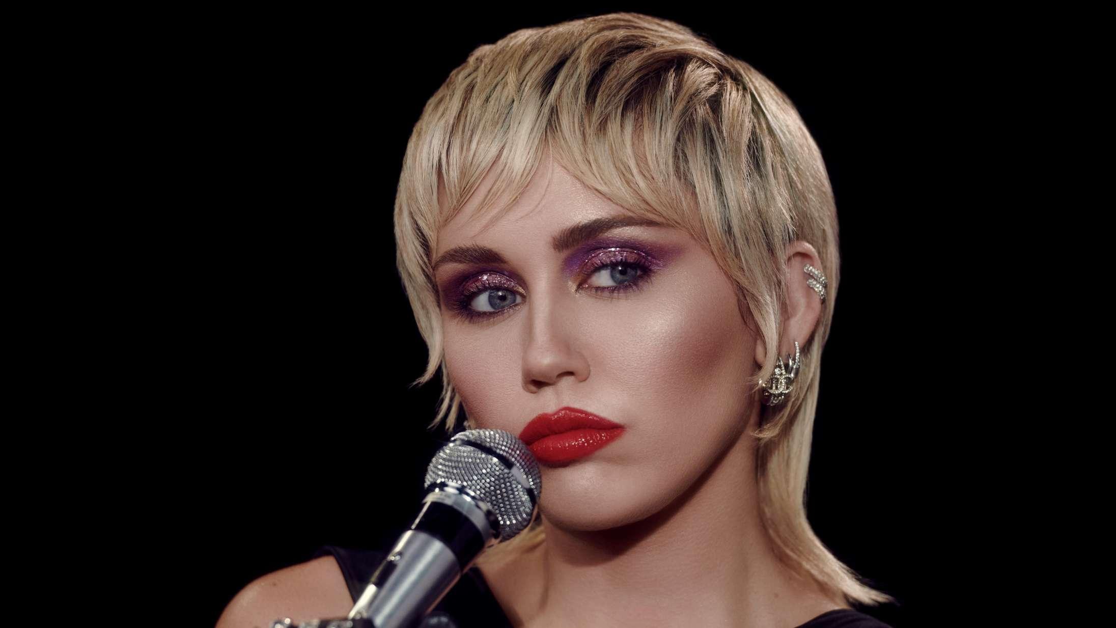 Miley Cyrus annoncerer nyt album