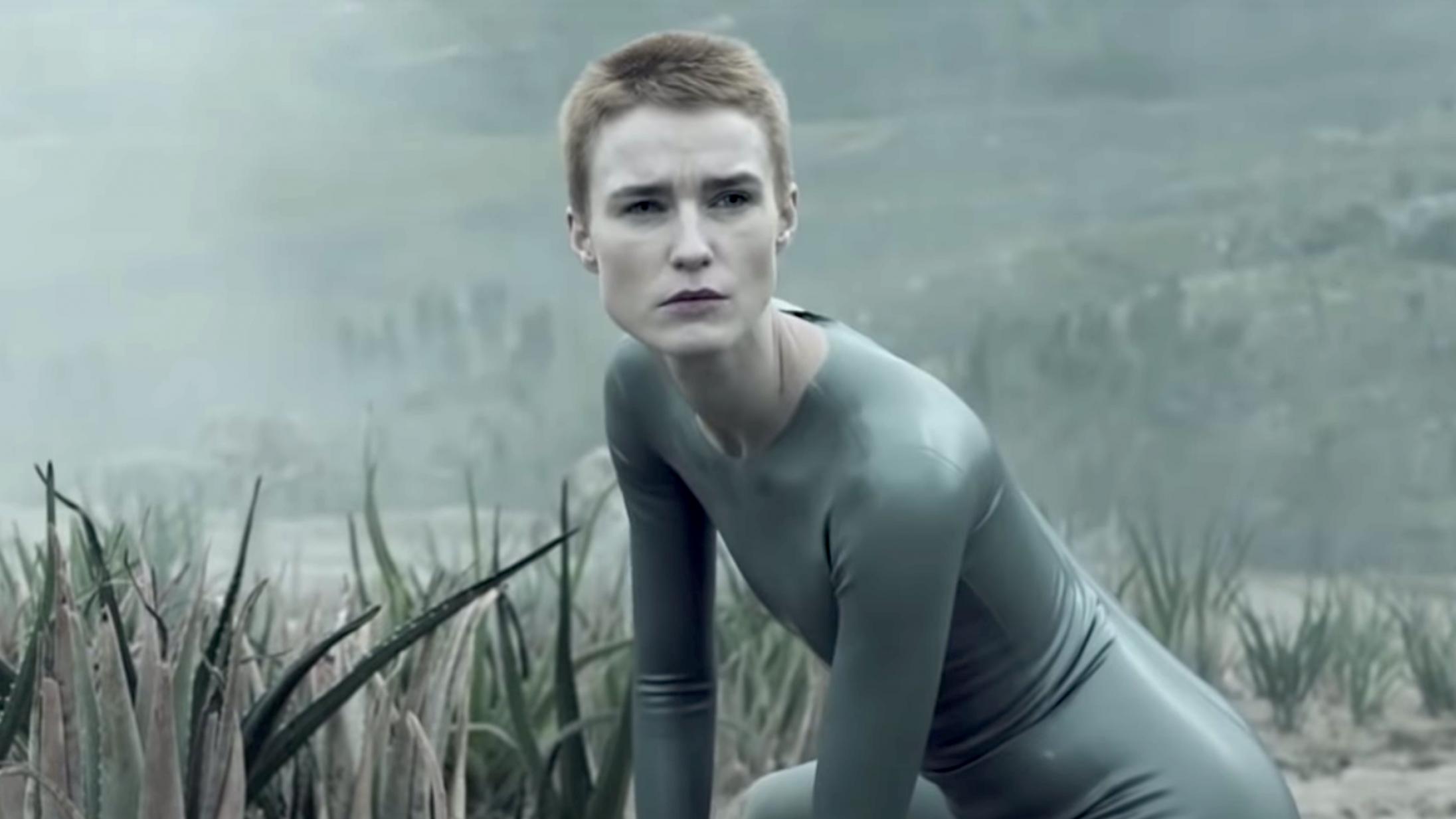 Amanda Collin fik hovedrollen i Ridley Scott-serien 'Raised by Wolves' ved et tilfælde