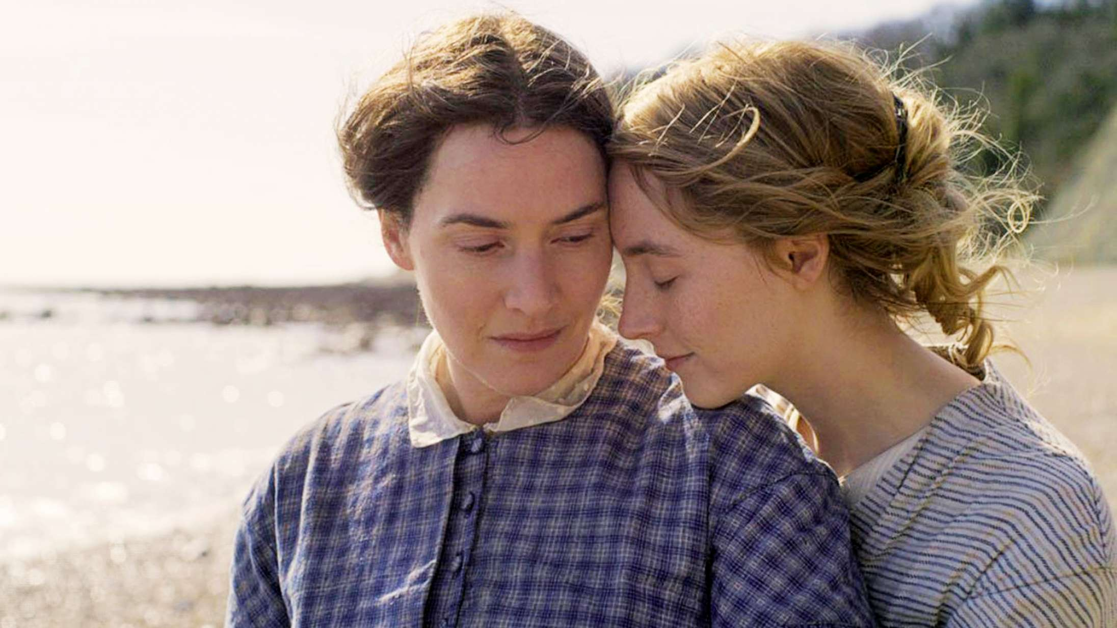 'Ammonite': Kærlighedsfilm med Saoirse Ronan og Kate Winslet rummer en sexscene til historiebøgerne