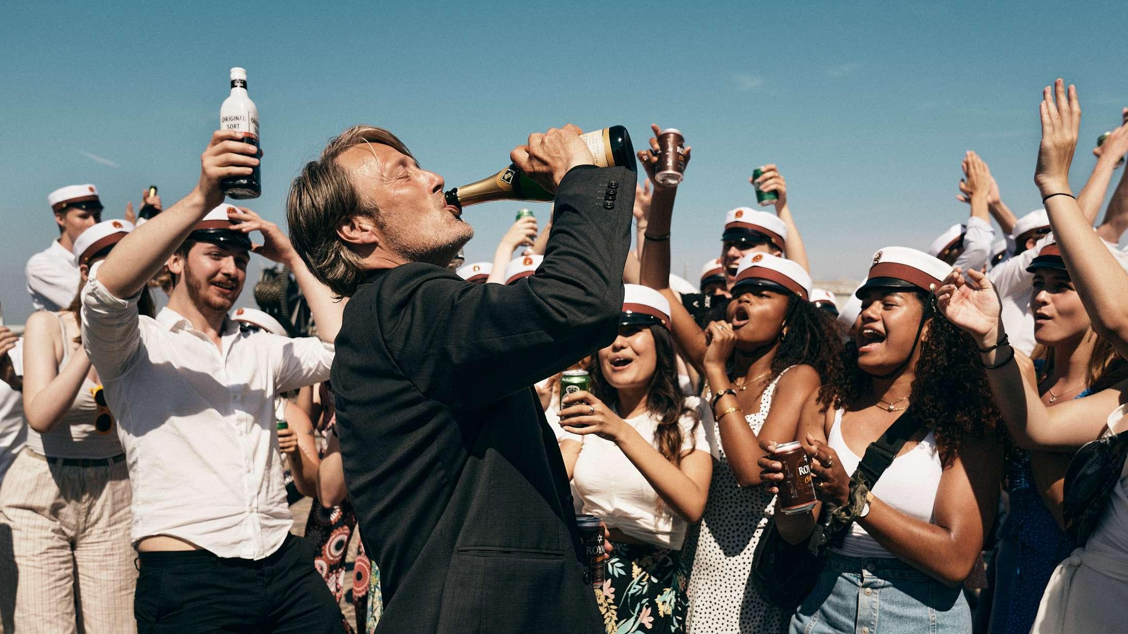 'Druk': Thomas Vinterbergs alkofilm boltrer sig eminent mellem eufori og afgrund