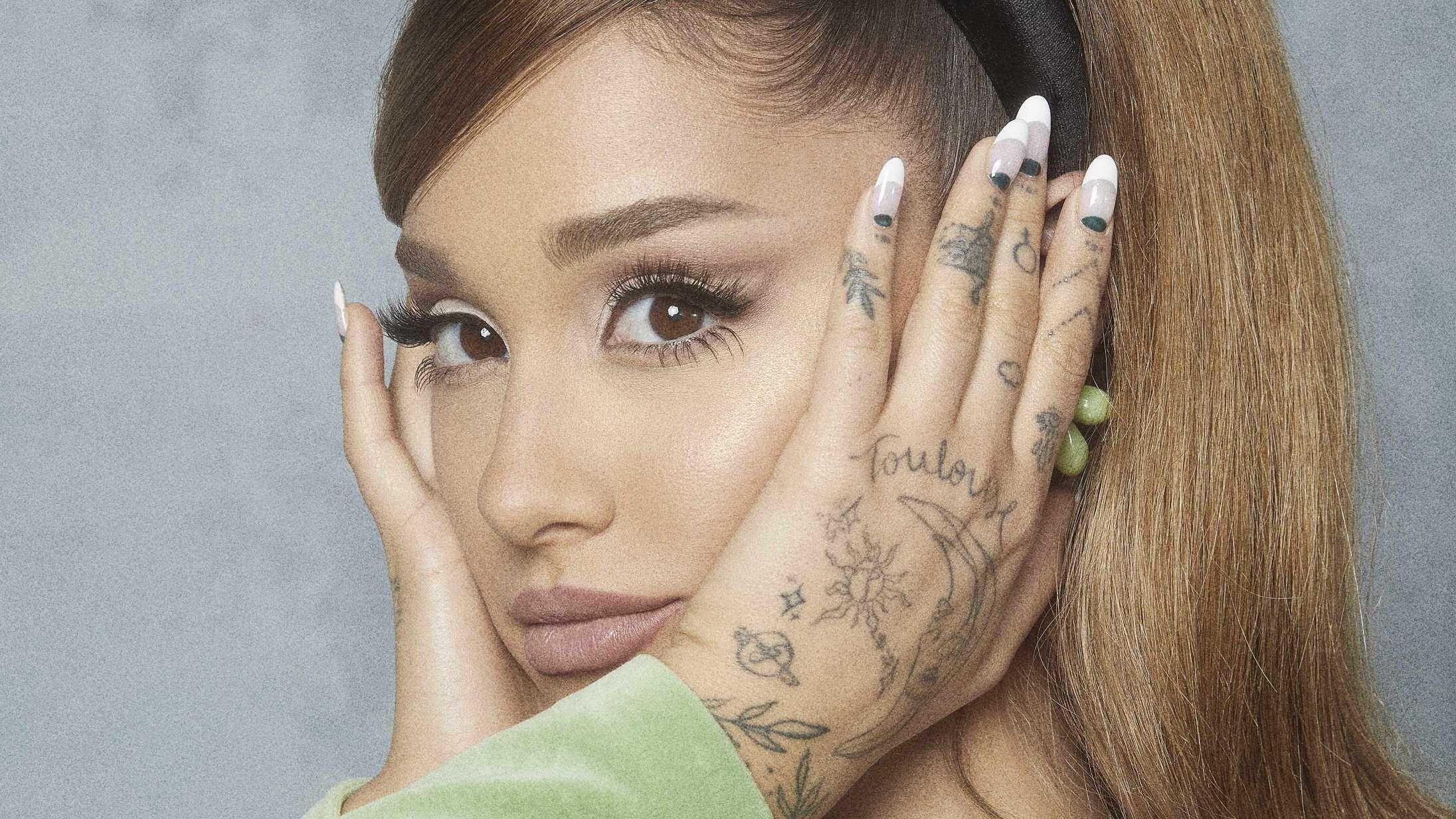 Ariana Grandes 'Positions' er en fløjlsblød r'n'b-boble, hvor verdens problemer er ude af syne