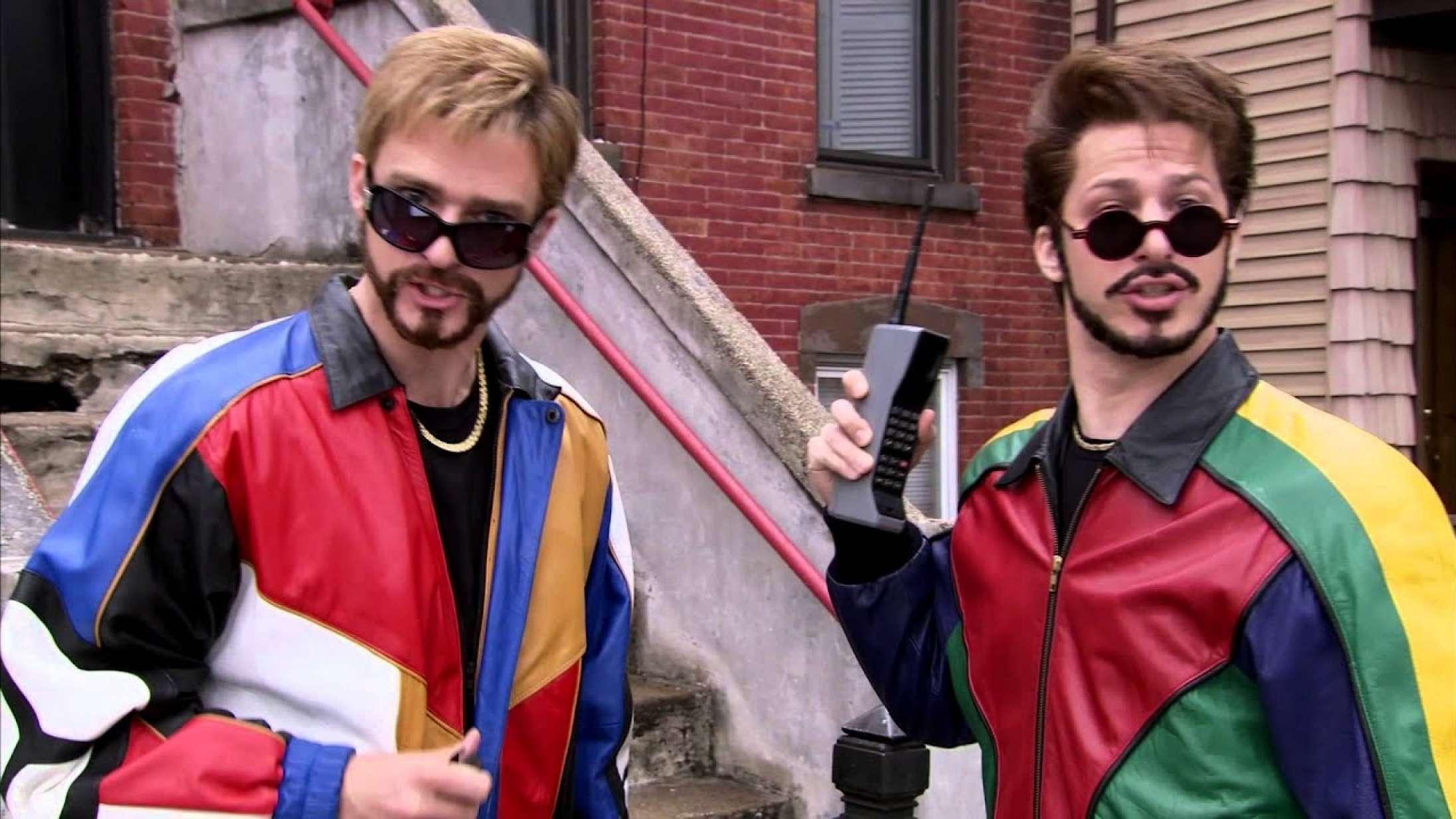 Ni klip, der inkarnerer Andy Sambergs charmerende sjovhed – fra improvisationsrekord til Justin Timberlake-hattrick