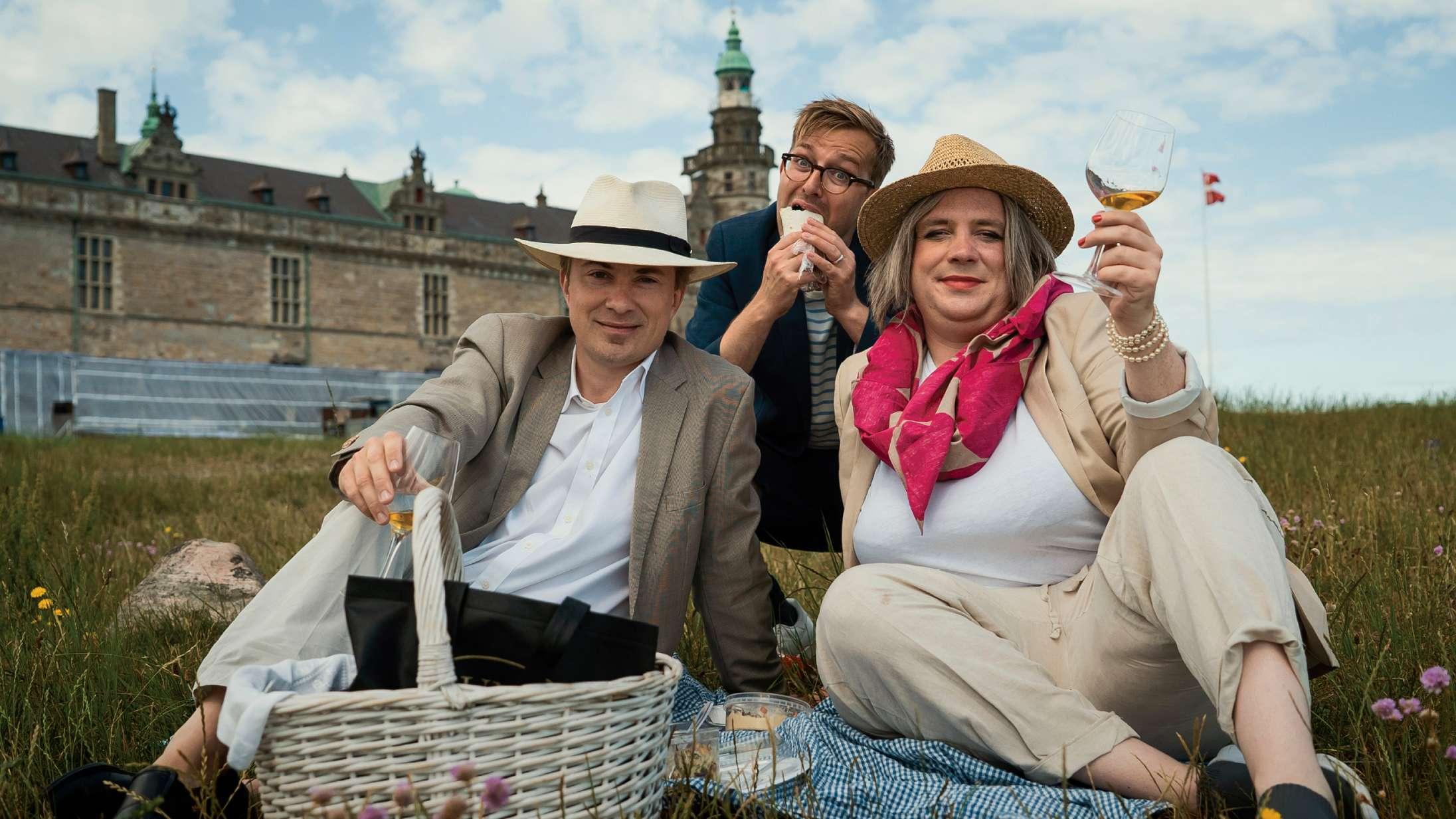 'Fuld af Danmark': Kirsten Birgit holder svirperne for tæt til kroppen i nyt TV 2-program