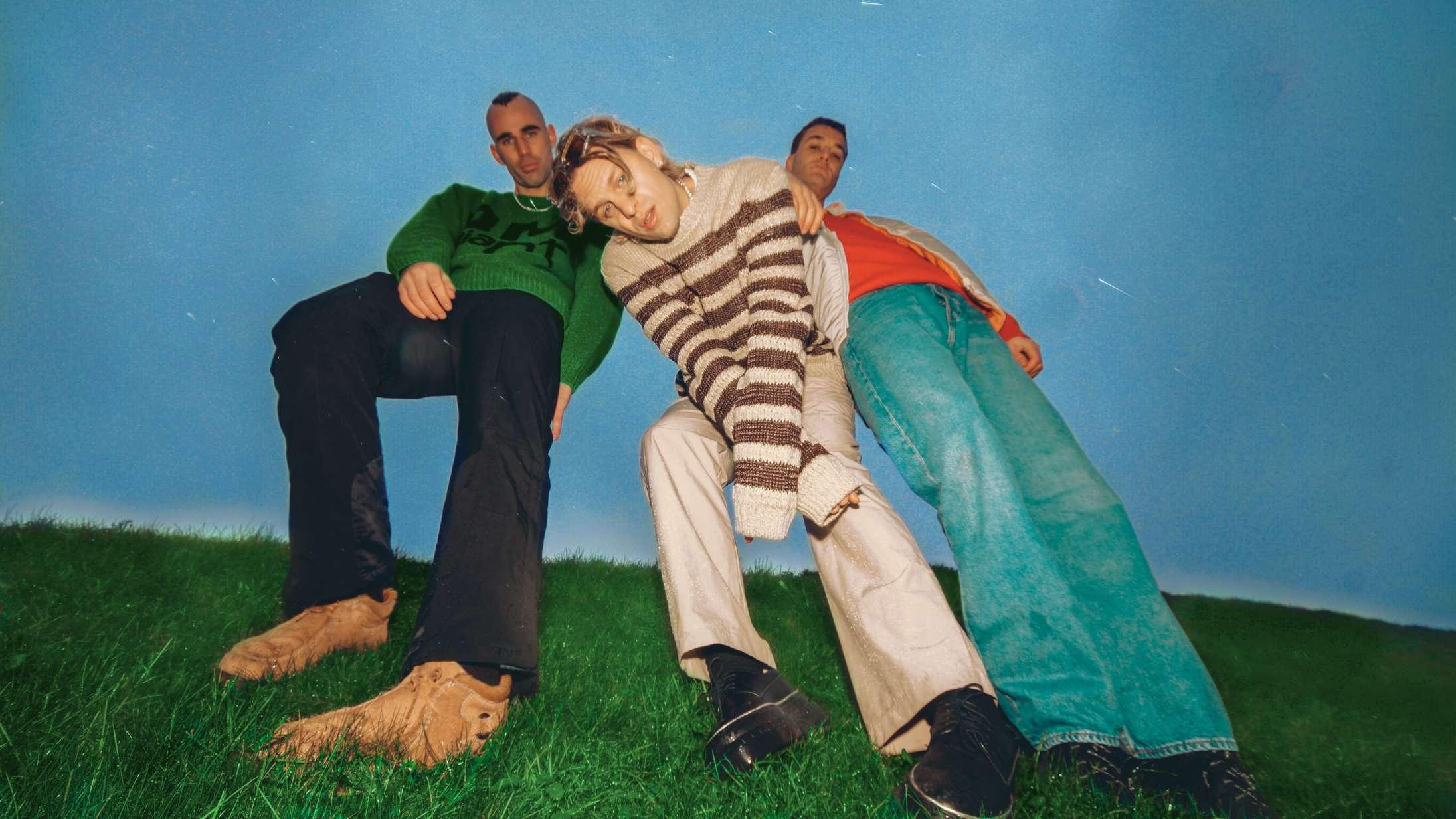 Scarlet Pleasures 'Druk'-sang  har succes næsten to år efter sin oprindelige udgivelse
