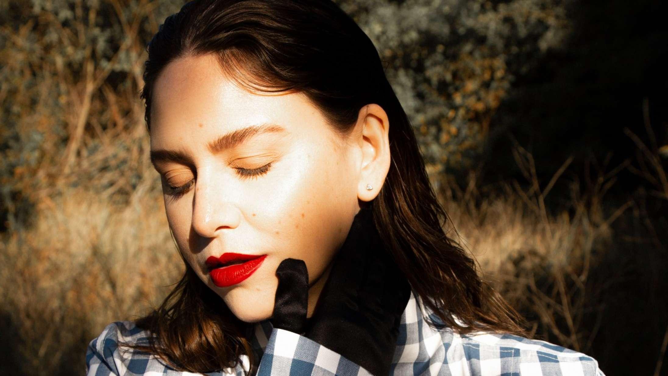 'All My Eyes Are Open part I & II': Fallulahs eventyrlystne pop er blevet lidt for strømlinet