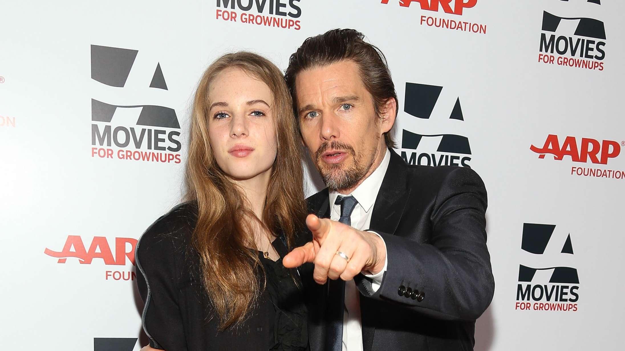 Ethan Hawke og Maya Hawke spiller far og datter i kommende Beatles-film