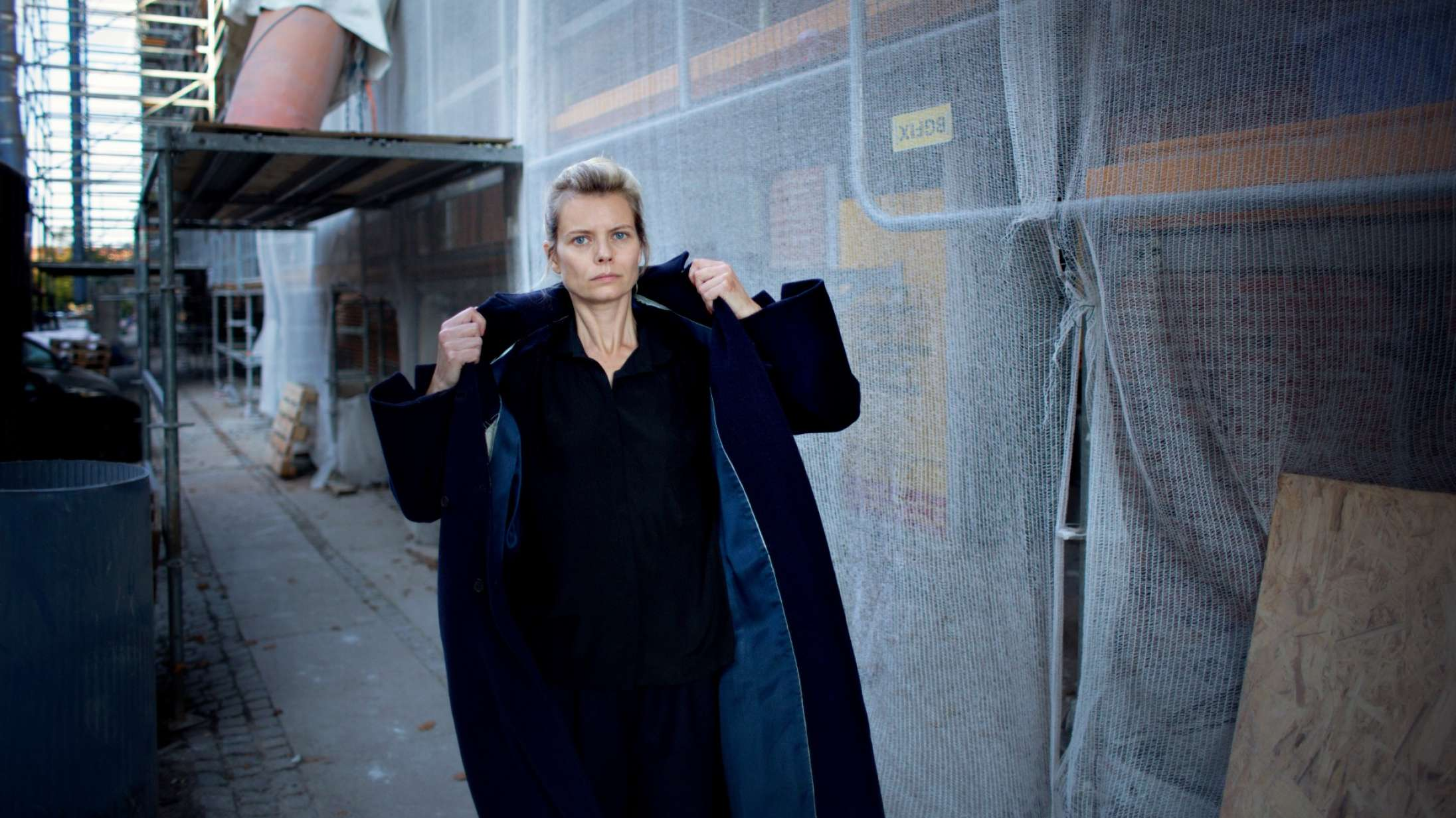 'Something Wonderful': Henriette Sennenvaldt fra Under Byen imponerer på udfordrende solodebut
