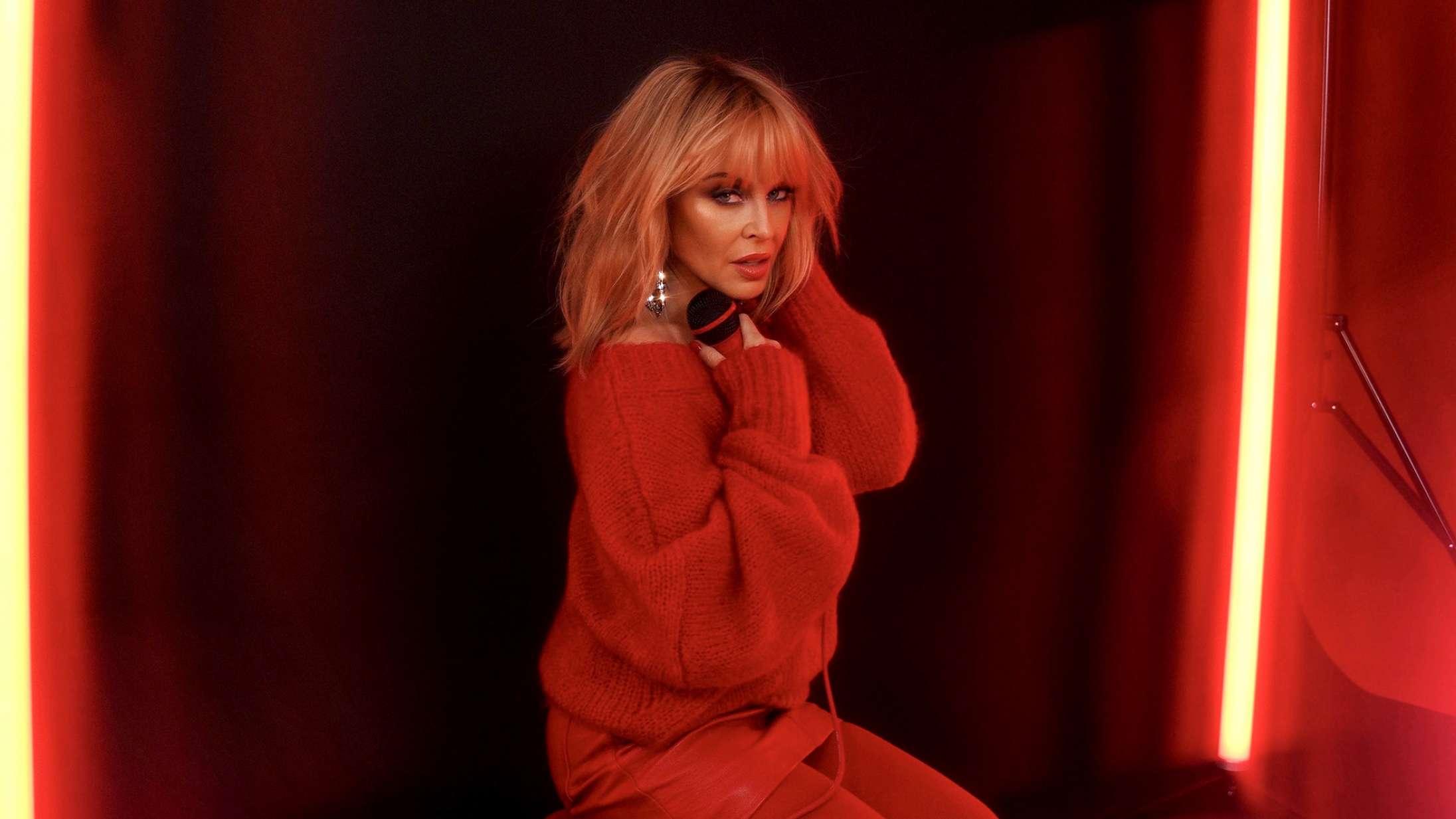 'Disco': Kylie Minogues eskapisme er ikke videre subtil, men den virker