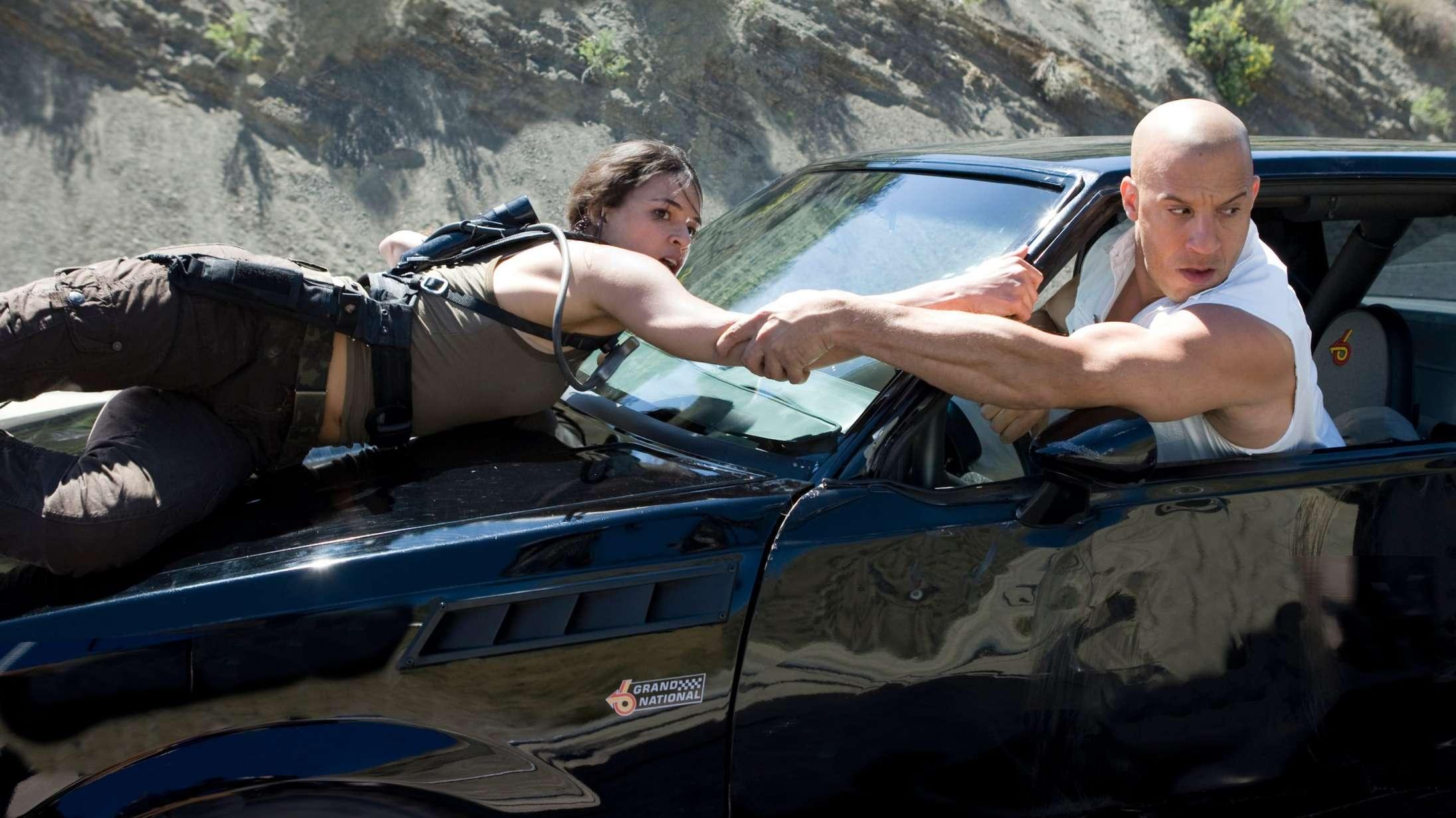 Bander stjæler PlayStation 5 fra lastbiler i 'The Fast and The Furious'-lignende stunt