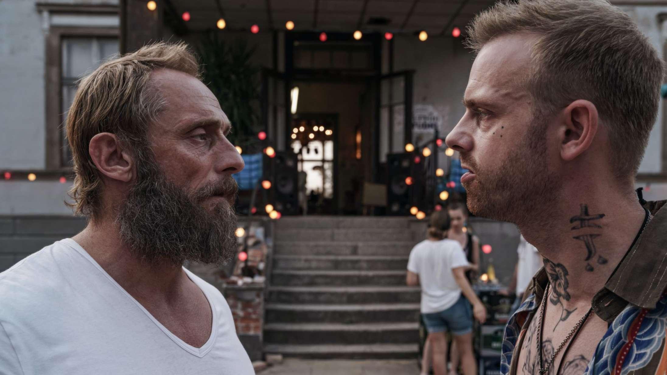 'Sløborn': Tysk thrillerserie med Roland Møller er intens og angstfremkaldende aktuel