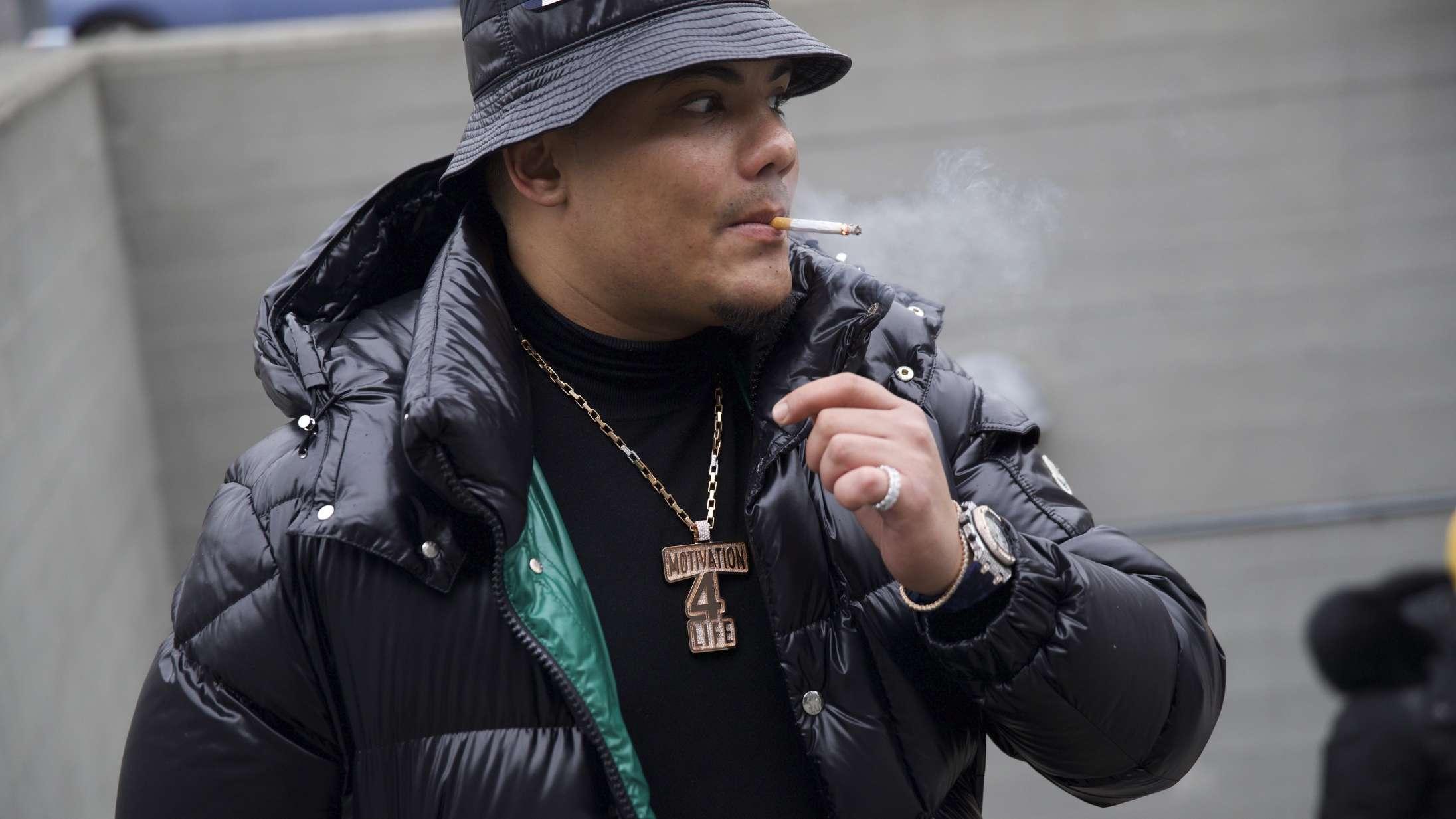 Det ser ud til, at Branco har fjernet den kontroversielle svenske rapper Yasin fra sit album