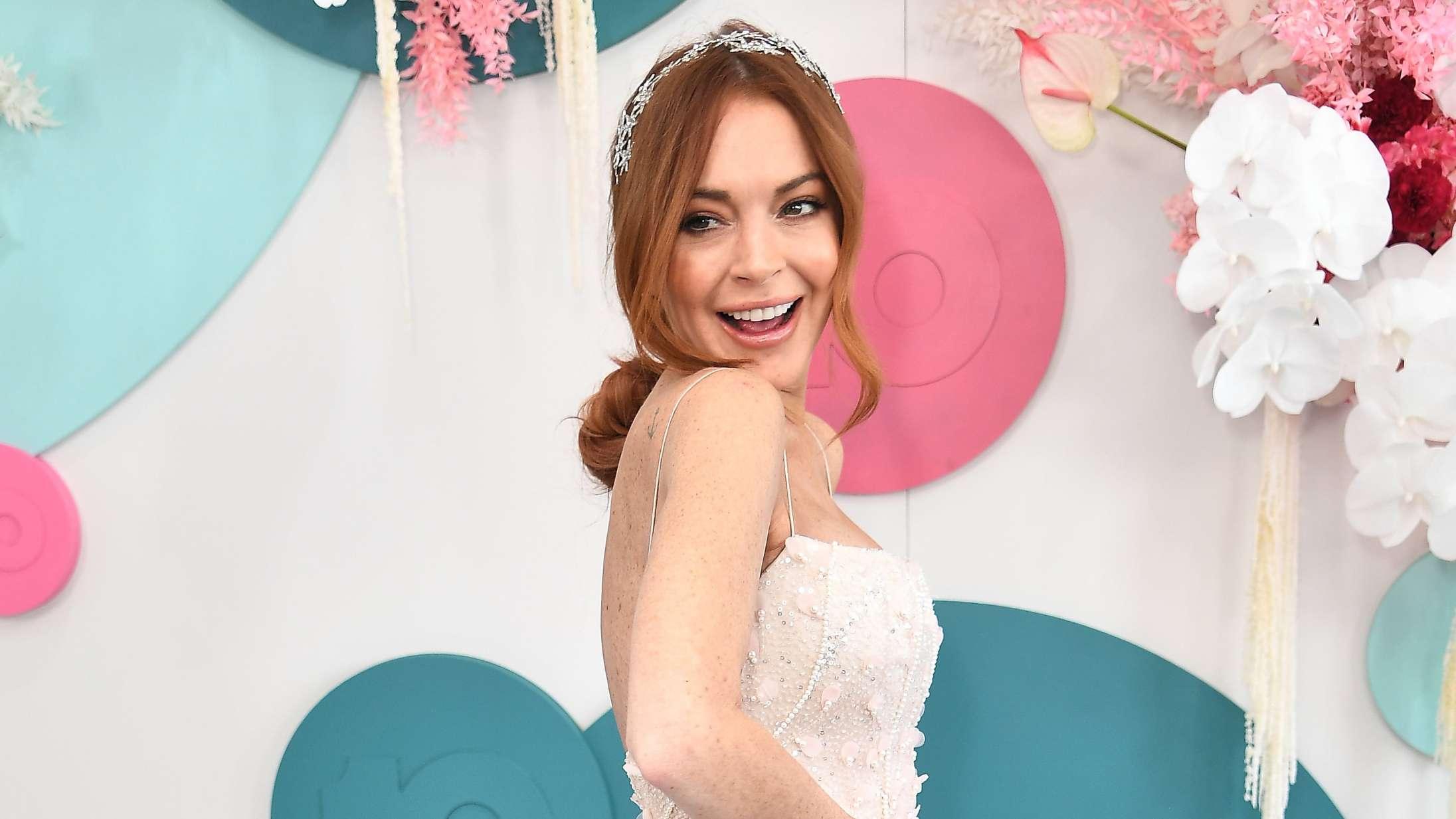 Falmede stjerner som Lindsay Lohan og Snoop Dogg tjener tykt på populær fanservice