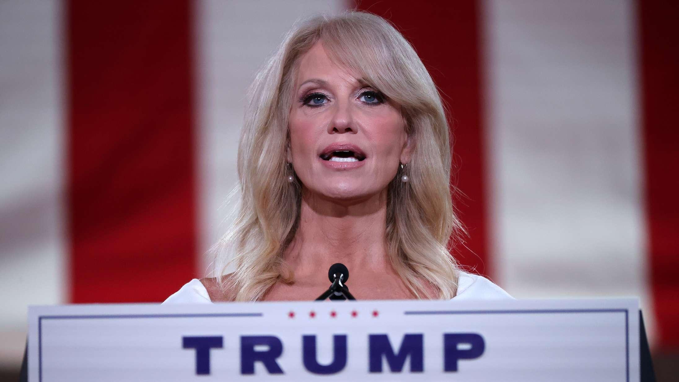 Kontroversiel Trump-rådgiver poster tilsyneladende nøgenbilleder af egen datter efter TikTok-drama