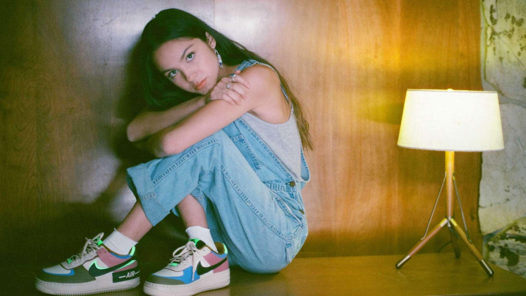 17-årig popkomet er i gang med at slå alle rekorder med debutsingle