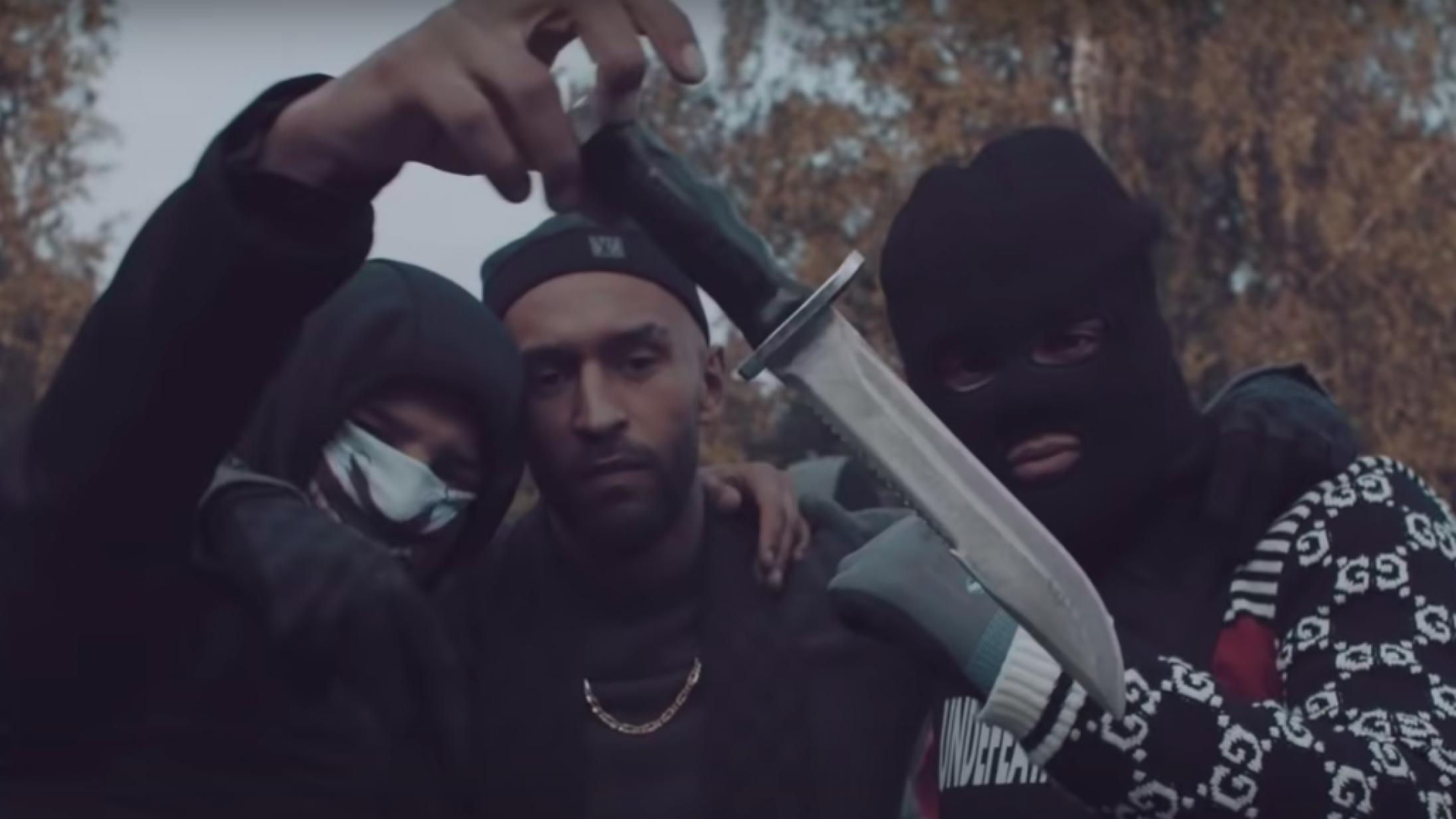 Dansk hiphops flirt med bandemiljøet har nået et kritisk punkt