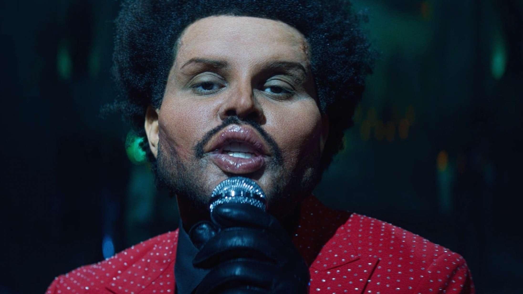 The Weeknd er i gang med den vildeste performance længe – men alt for få har bemærket det