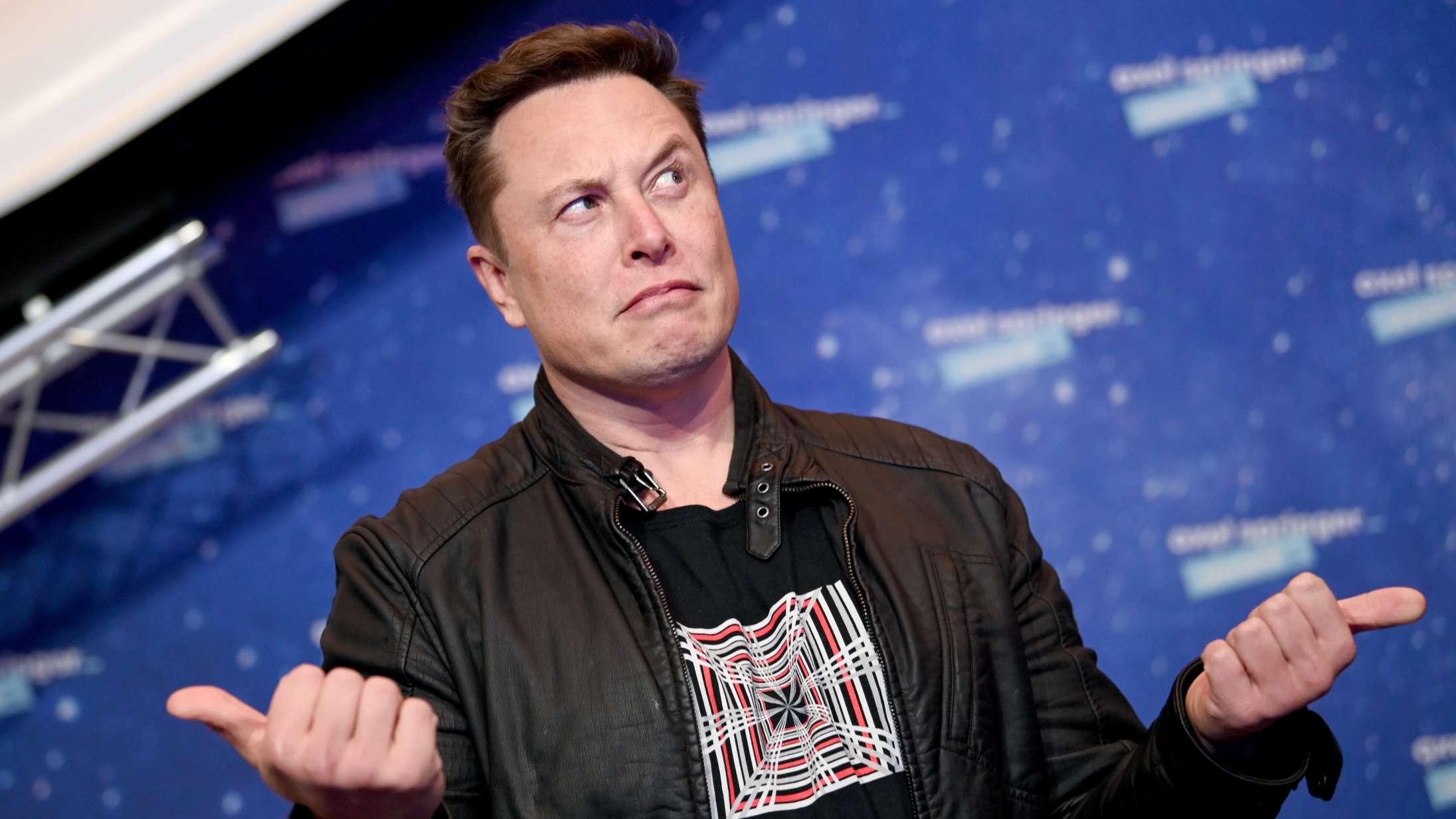 Elon Musk beder om hjælp til 'Saturday Night Live' på Twitter – og bliver jordet af sarkastiske jokes