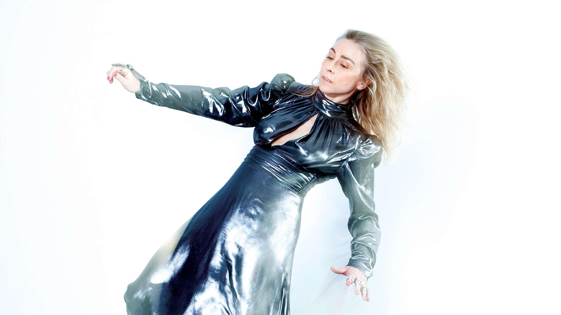 'Magnet Sky': Nana Jacobis nye lyd er som skræddersyet til hende