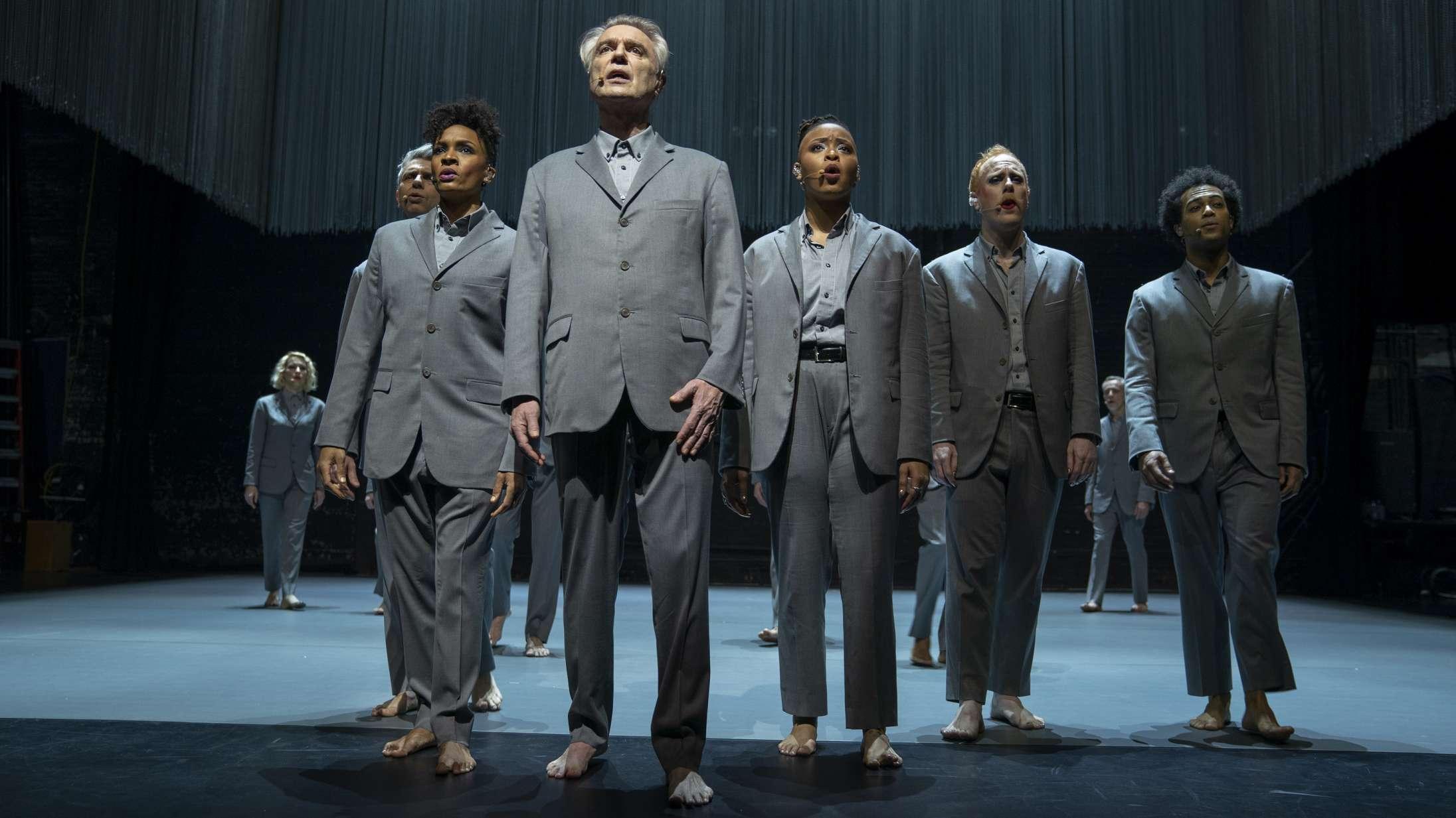 'American Utopia': Kropsdelene flopper rundt på scenen i den måske næstbedste koncertfilm nogensinde
