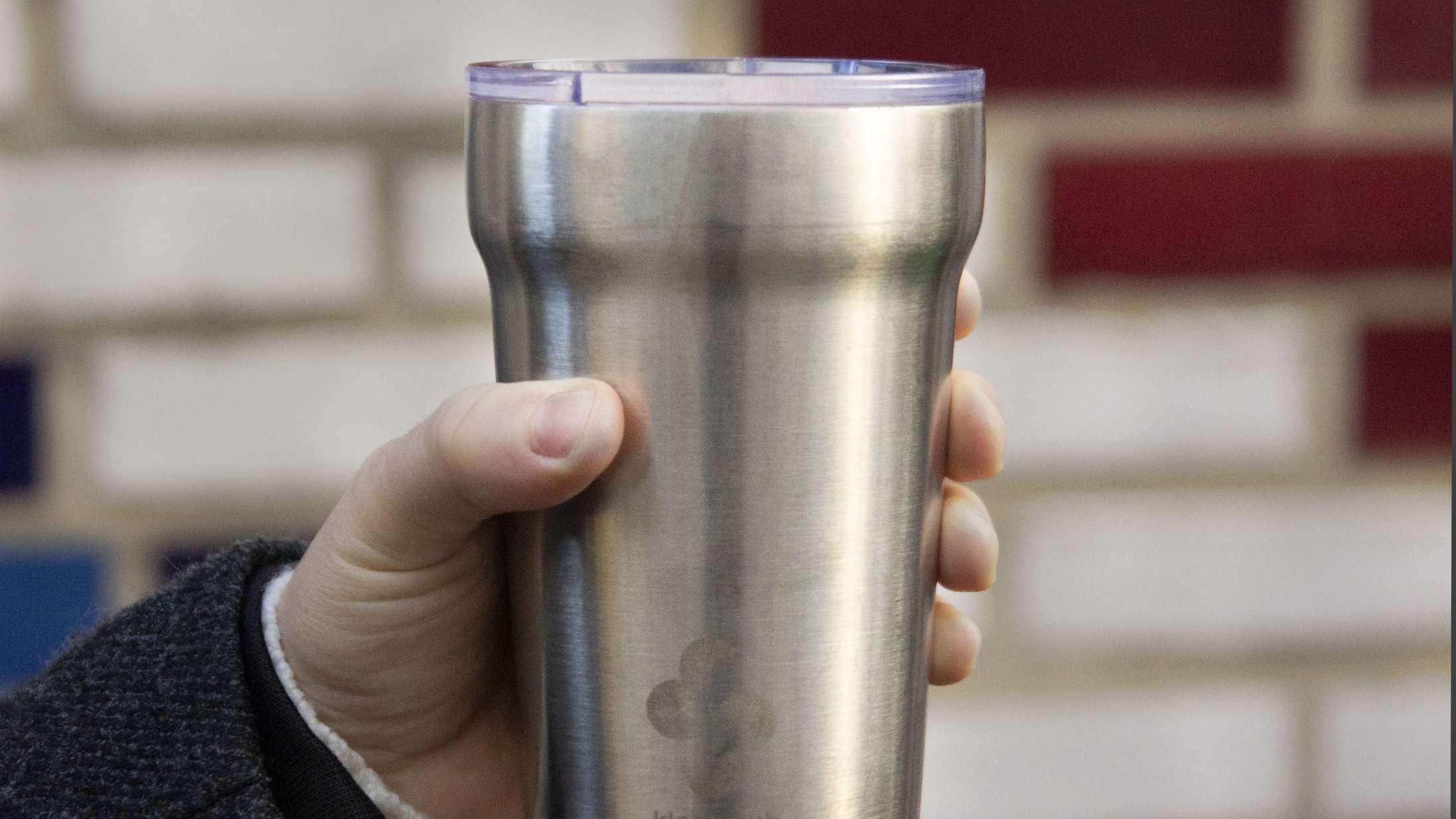 Nu kan du drikke din to-go-kaffe med renere klimasamvittighed
