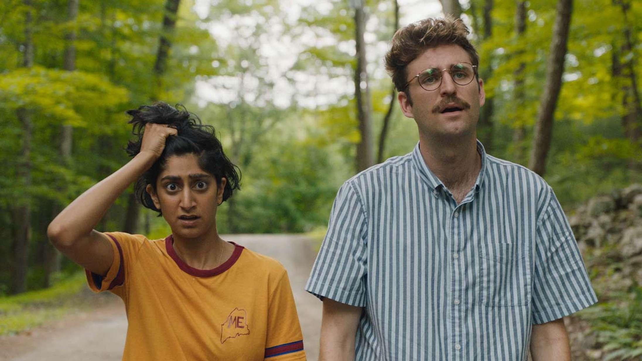 'Save Yourselves': Millennial-neuroser møder aliens i charmerende horrorkomedie