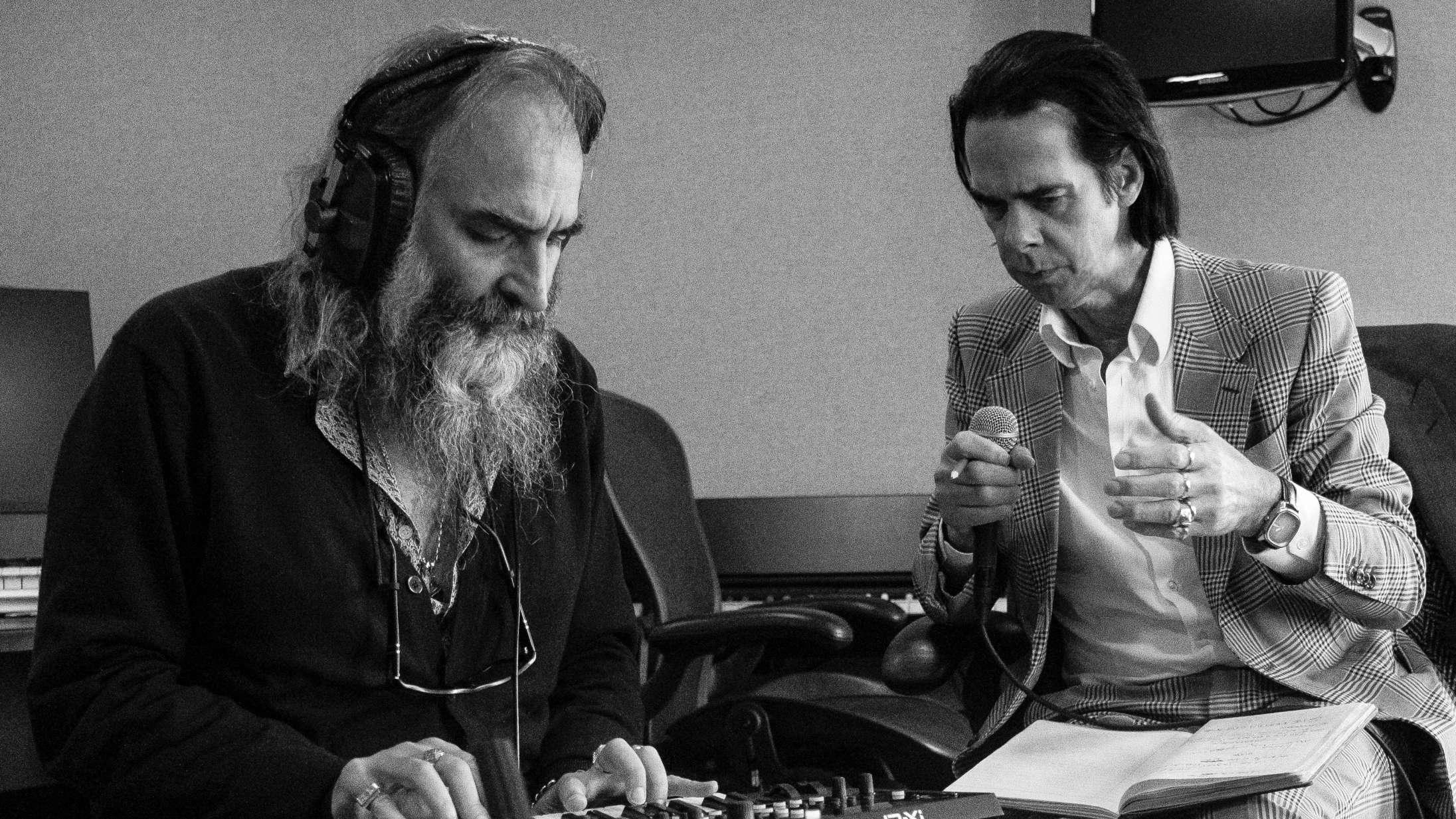 Med 'Carnage' har Nick Cave og hans tro væbner begået et dramatisk mesterværk