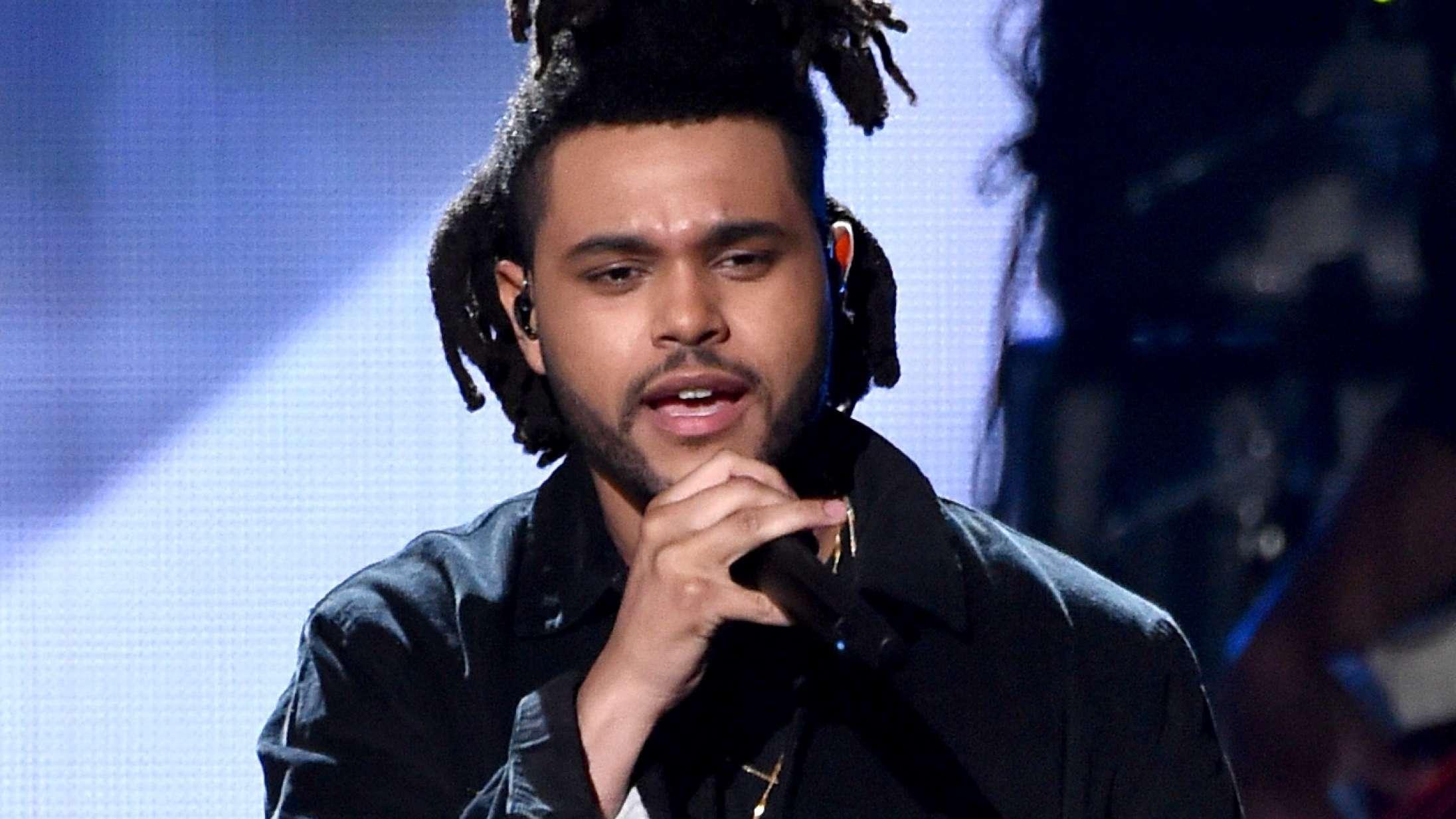 For 10 år siden ankom The Weeknd som en følelseskold og cokesniffende antitese til Frank Ocean