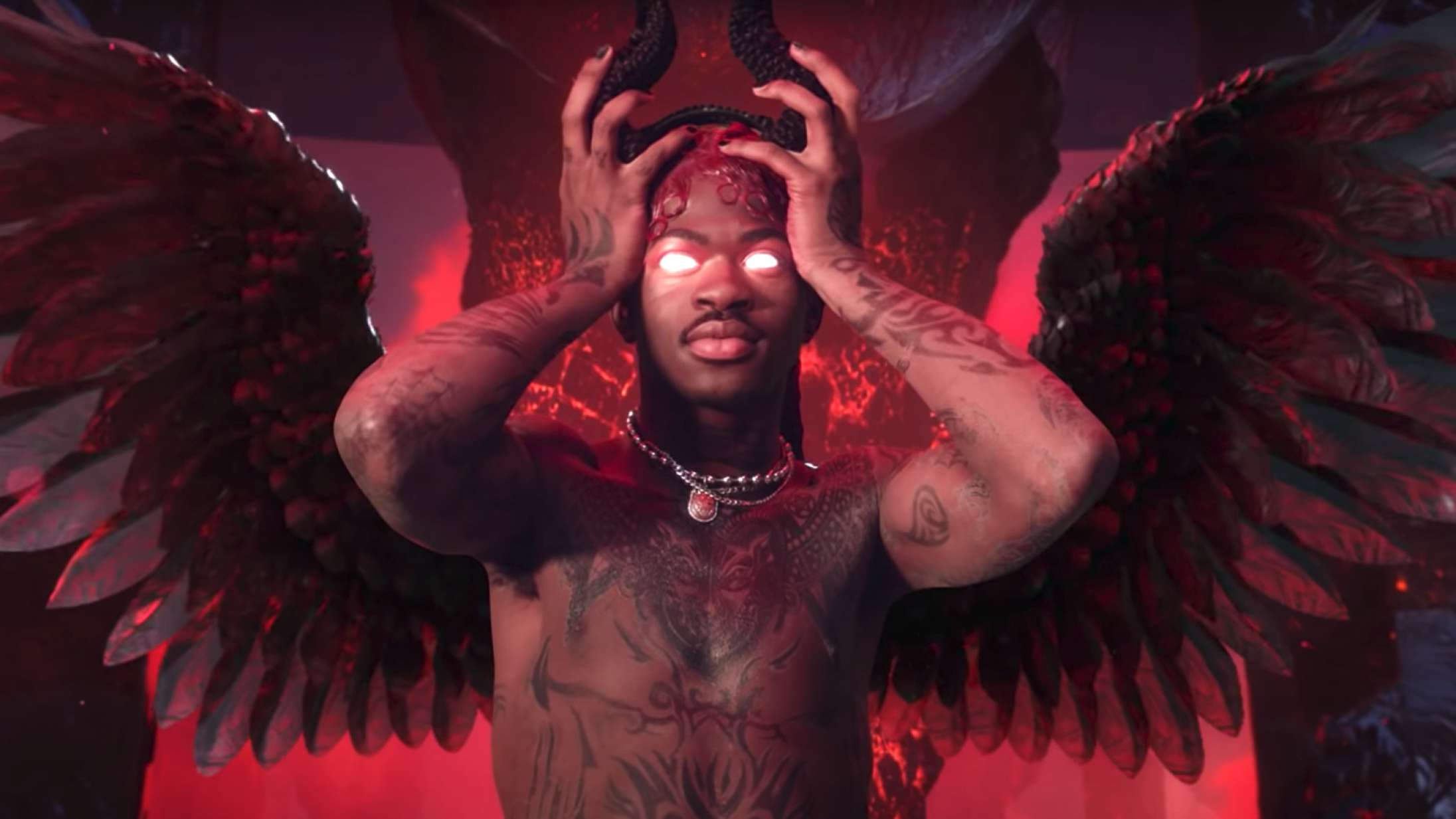 Lil Nas X giver djævlen en lapdance i vild ny musikvideo