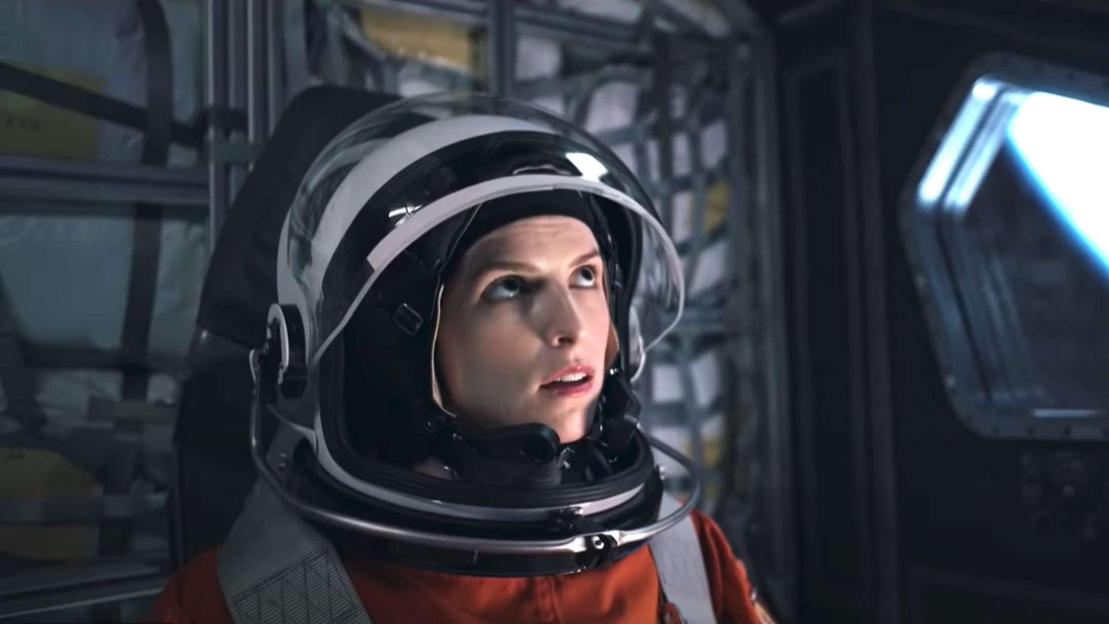 Se traileren til Netflix-rumthrilleren 'Stowaway' med Anna Kendrick og Toni Collette