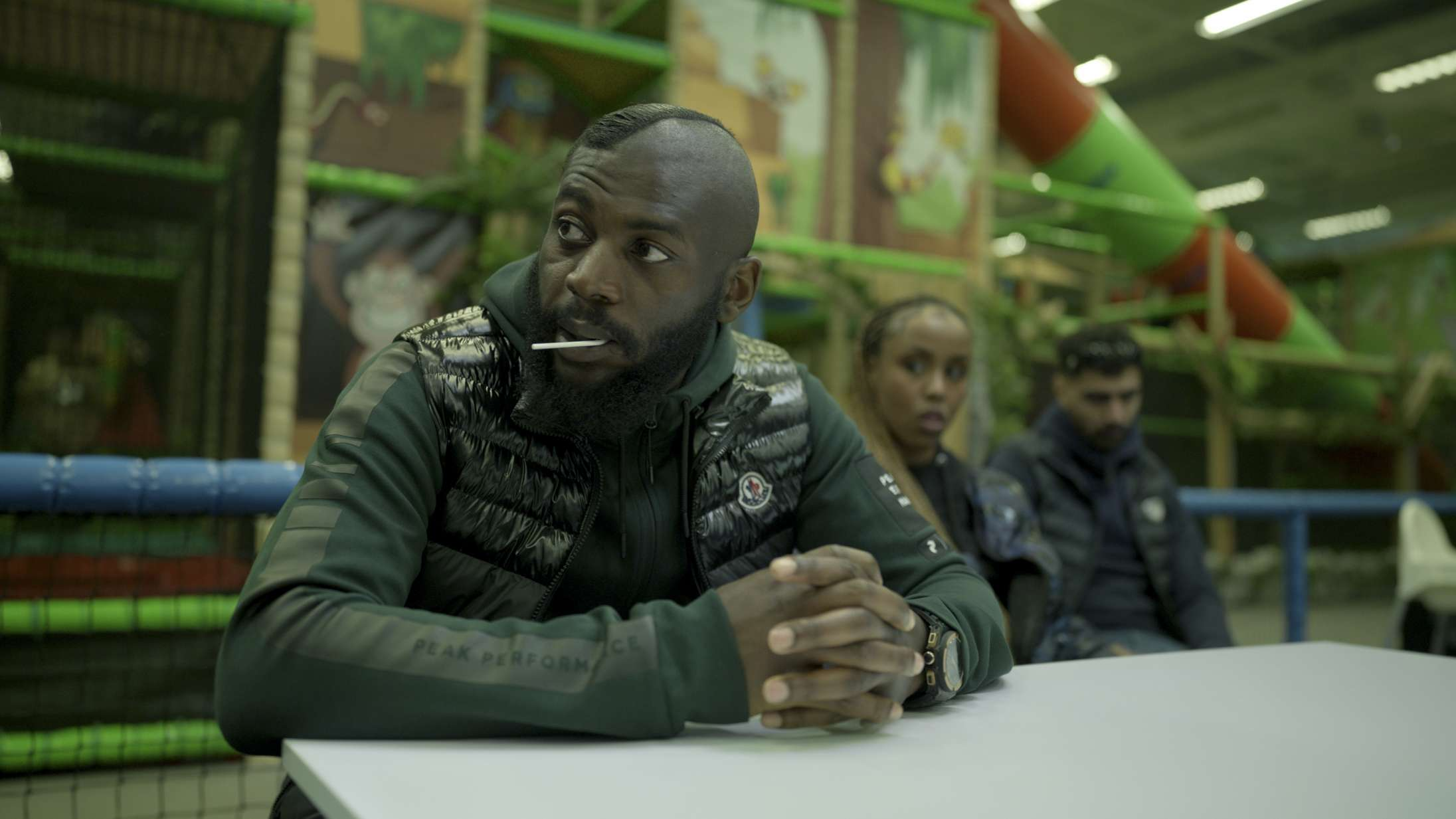 'Snabba Cash': Svensk gangsterserie på Netflix er alle pengene værd