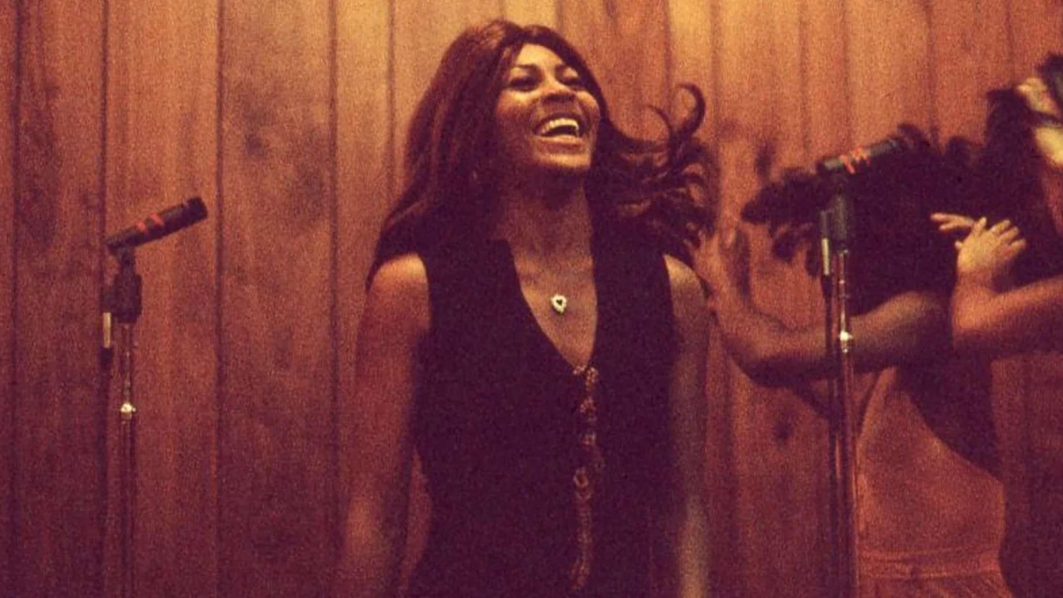 'Tina': Et funklende portræt af Tina Turner og alt, hvad hun har stået igennem