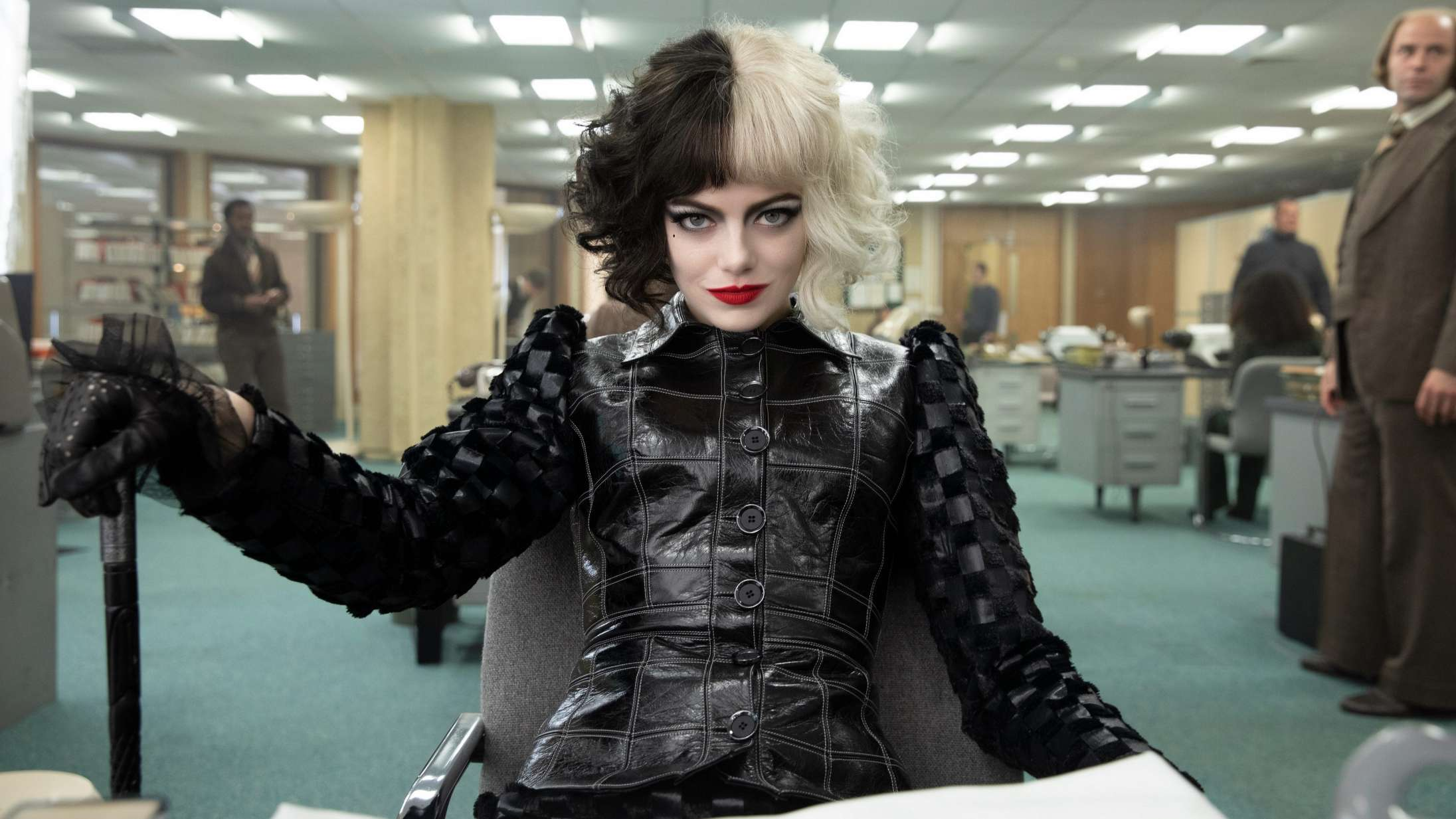 'Cruella': 'Joker' møder 'The Devil Wears Prada' i Disneys nye liveaction-film