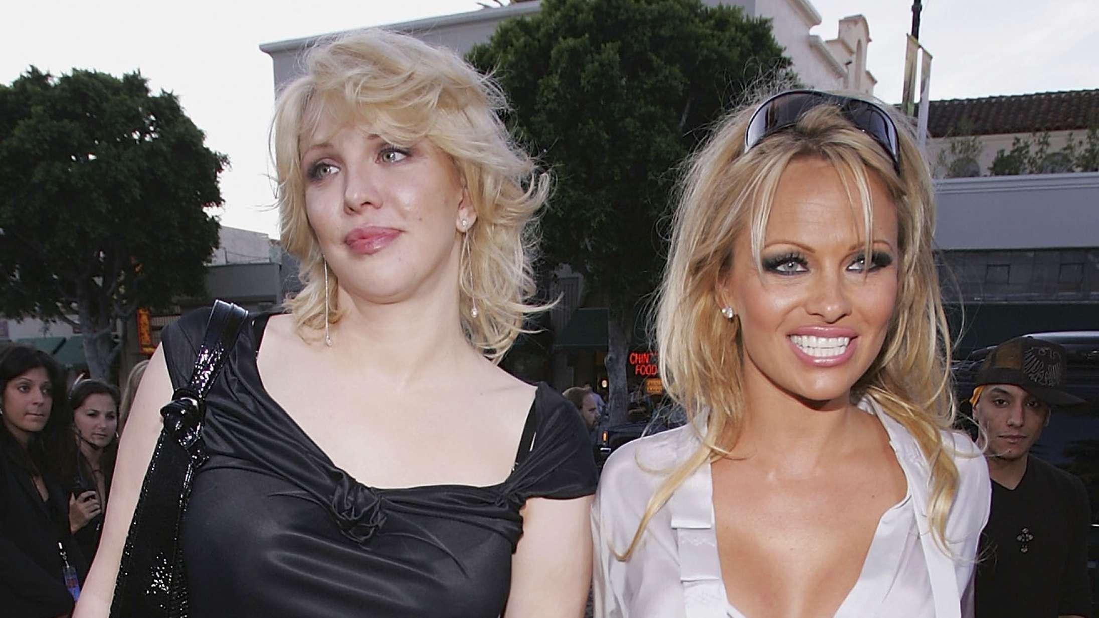 Courtney Love kritiserer serie om Pamela Anderson og Tommy Lees sextape-læk: »Lily James burde skamme sig«