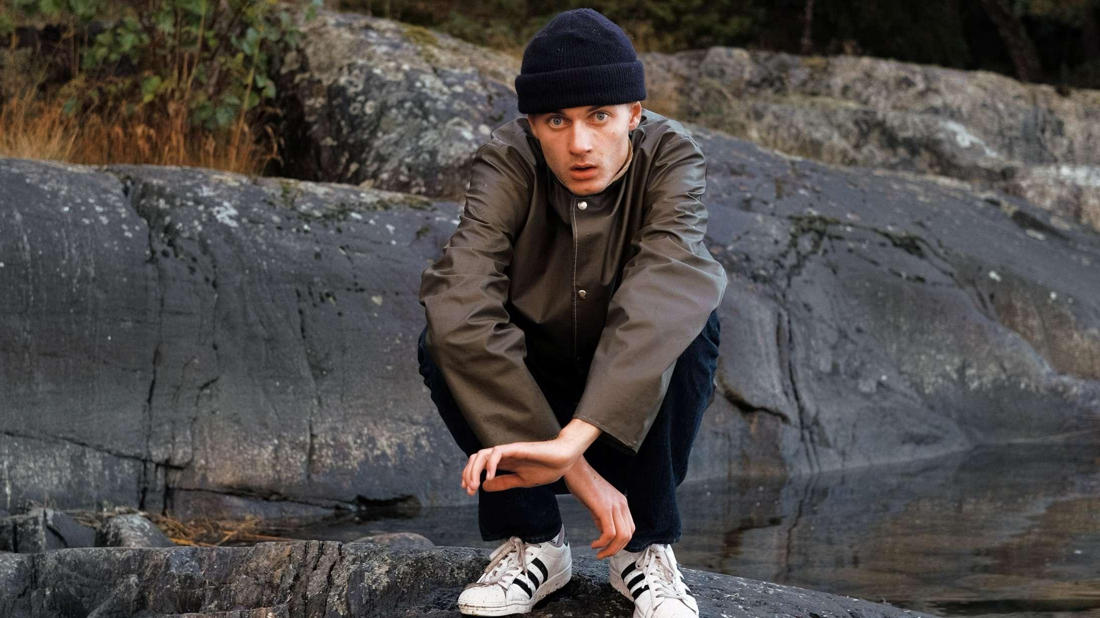 Spændende dansk band gik i opløsning efter få singler – nu har forsanger Karl Meyer udgivet et lovende debutalbum
