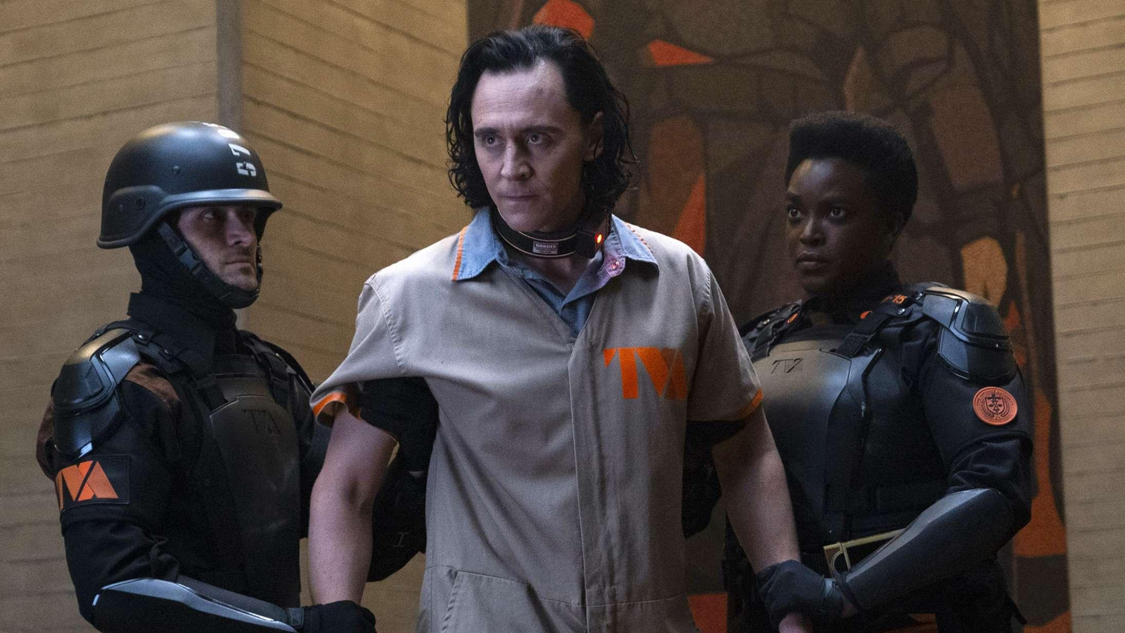 'Loki': Tom Hiddlestons geniale joker er kongen af Marvels serieunivers