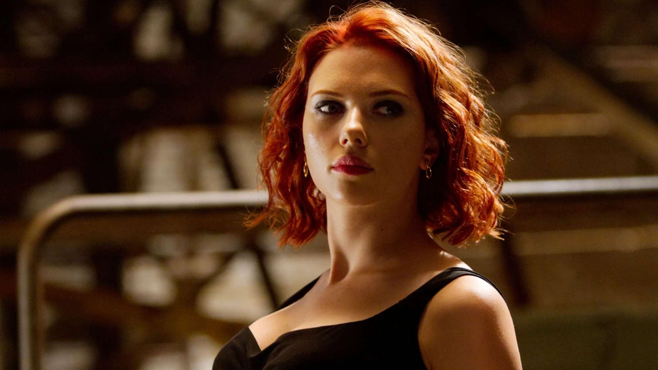 Scarlett Johansson kritiserer overseksualisering af Black Widow: »Hun blev omtalt som en god røv«