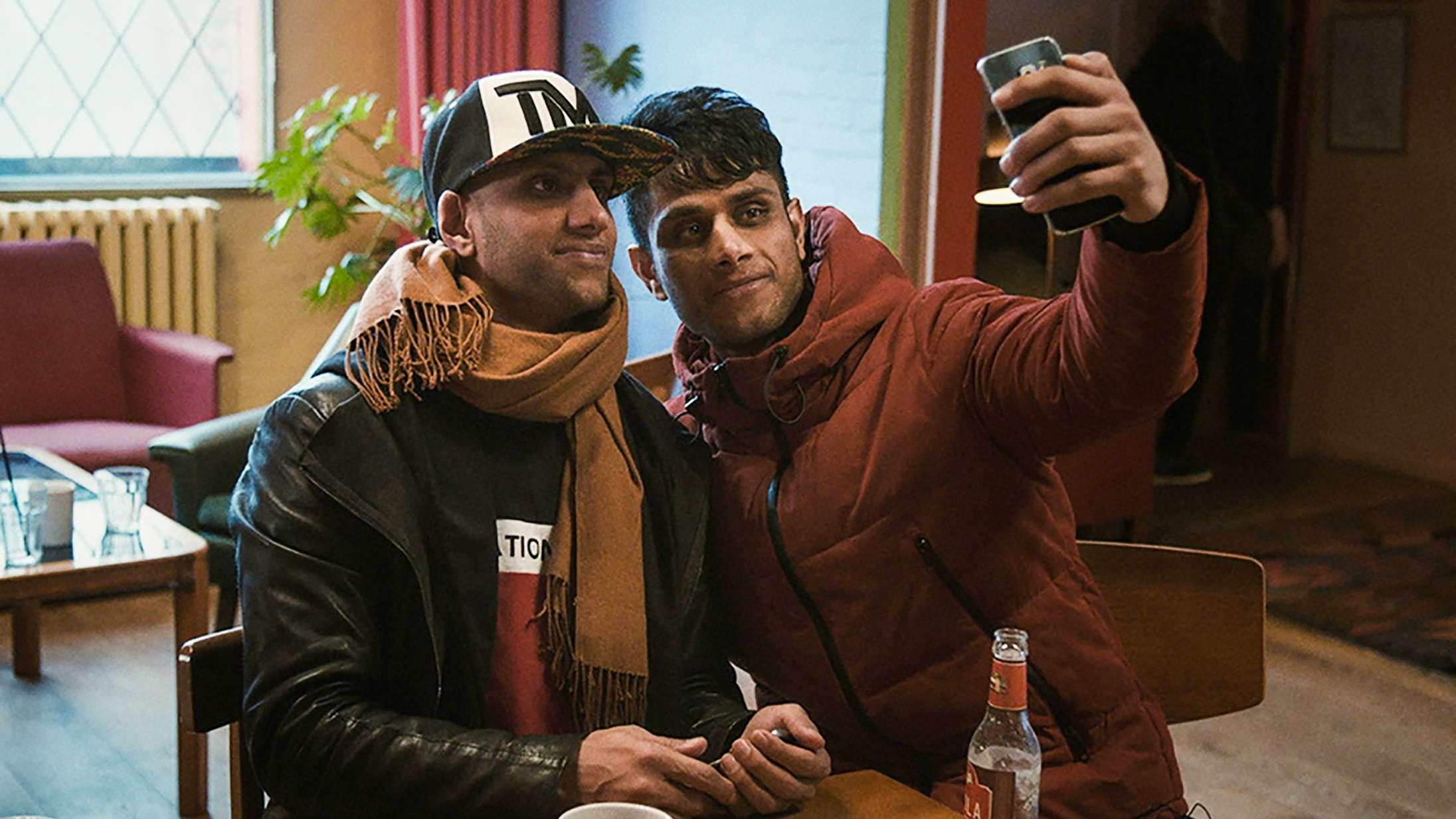 'Min bror, mit hjem': En vigtig dansk dokumentar om et af tidens største politiske emner