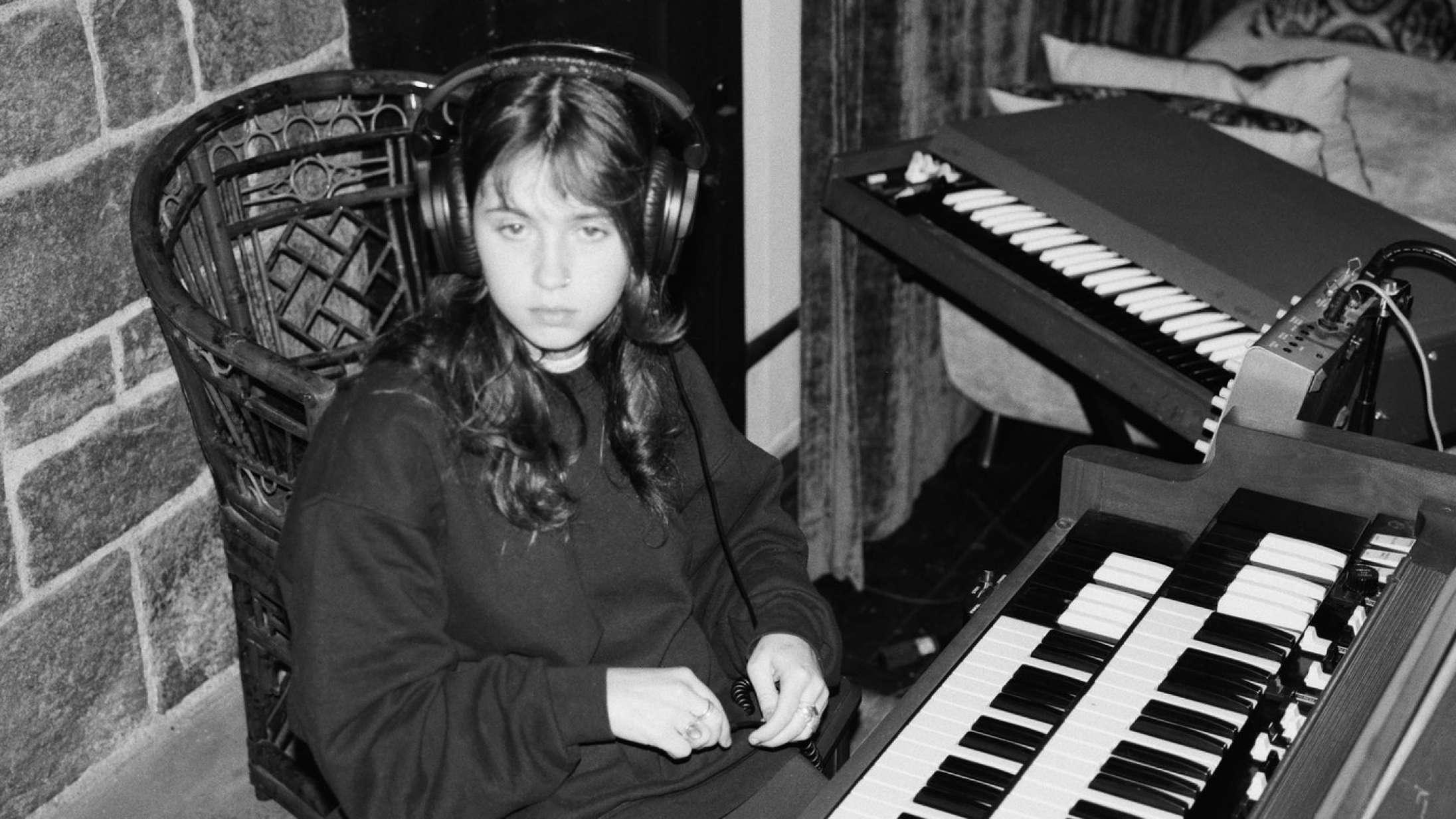 Clairo stikker til musikbranchen på sit flotte andet album