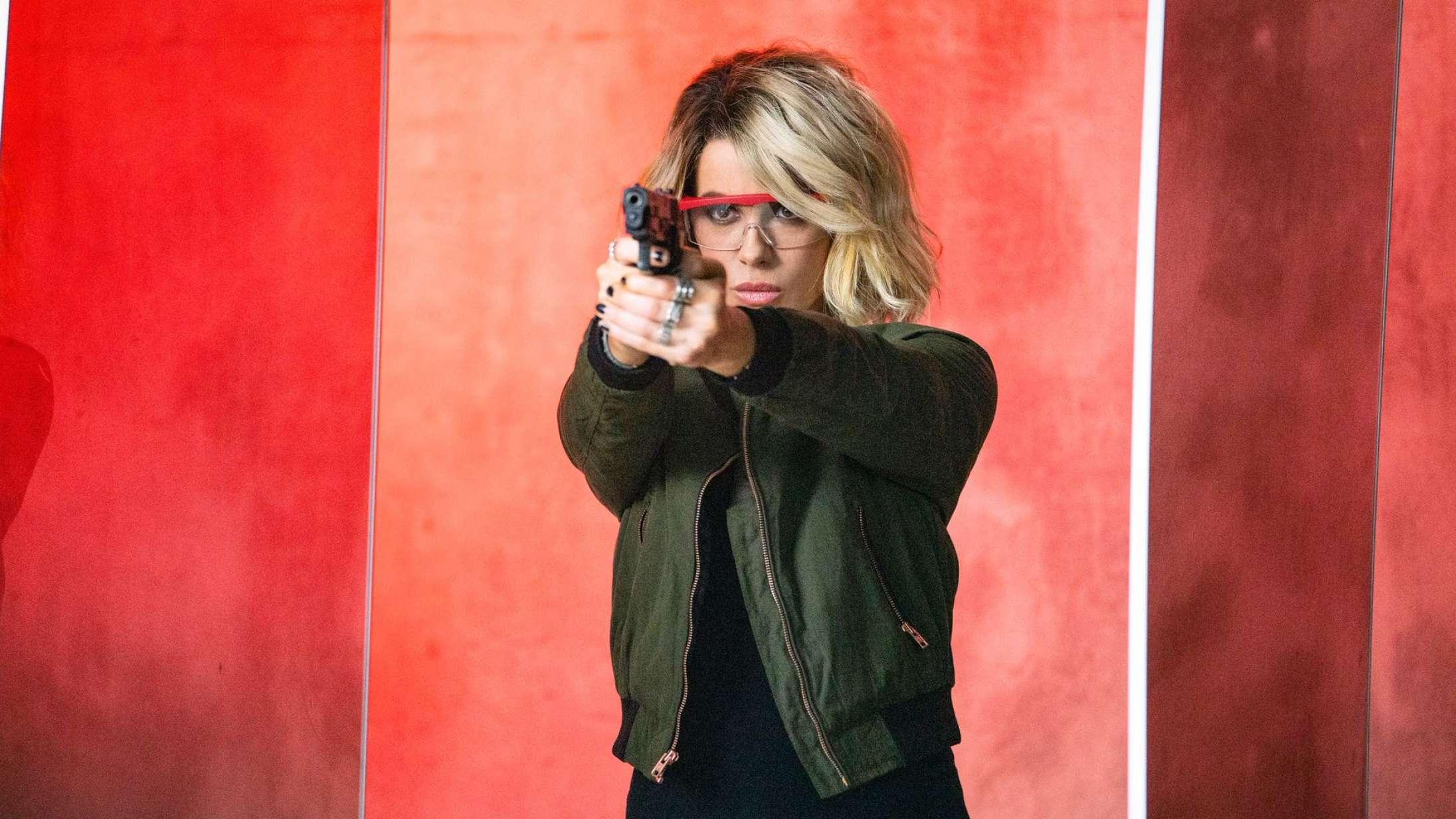 'Jolt': Kate Beckinsale er en røvsparkende fornøjelse i forudsigelig actionfilm