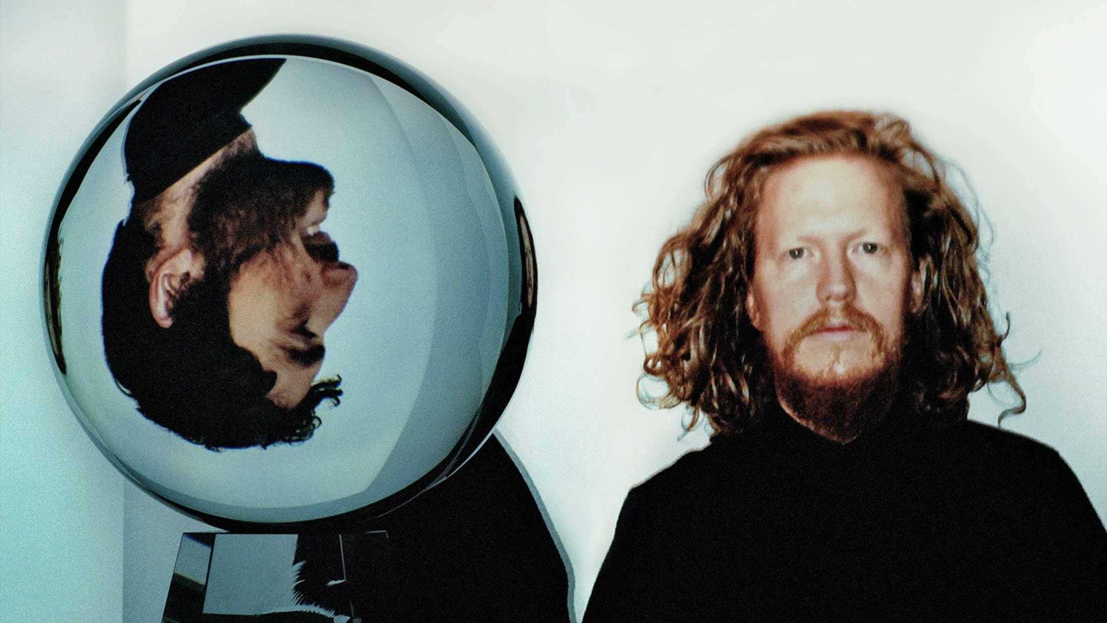 Darksides fængslende comebackalbum inviterer til, at du lægger dig ned og lukker øjnene