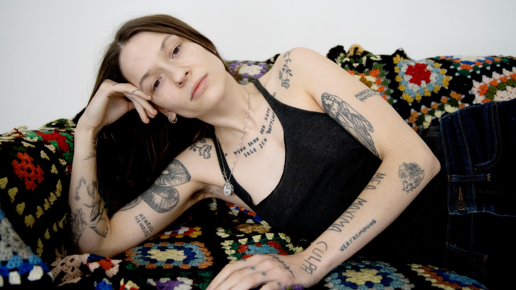 'Getting Angry, Baby': Selma Judith frabeder sig al overfladisk hype på kompromisløst debutalbum
