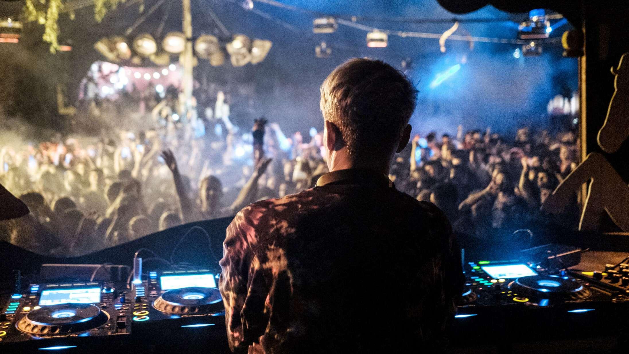 Holdet bag Distortion gør klar til elektronisk Karrusel-festival i august