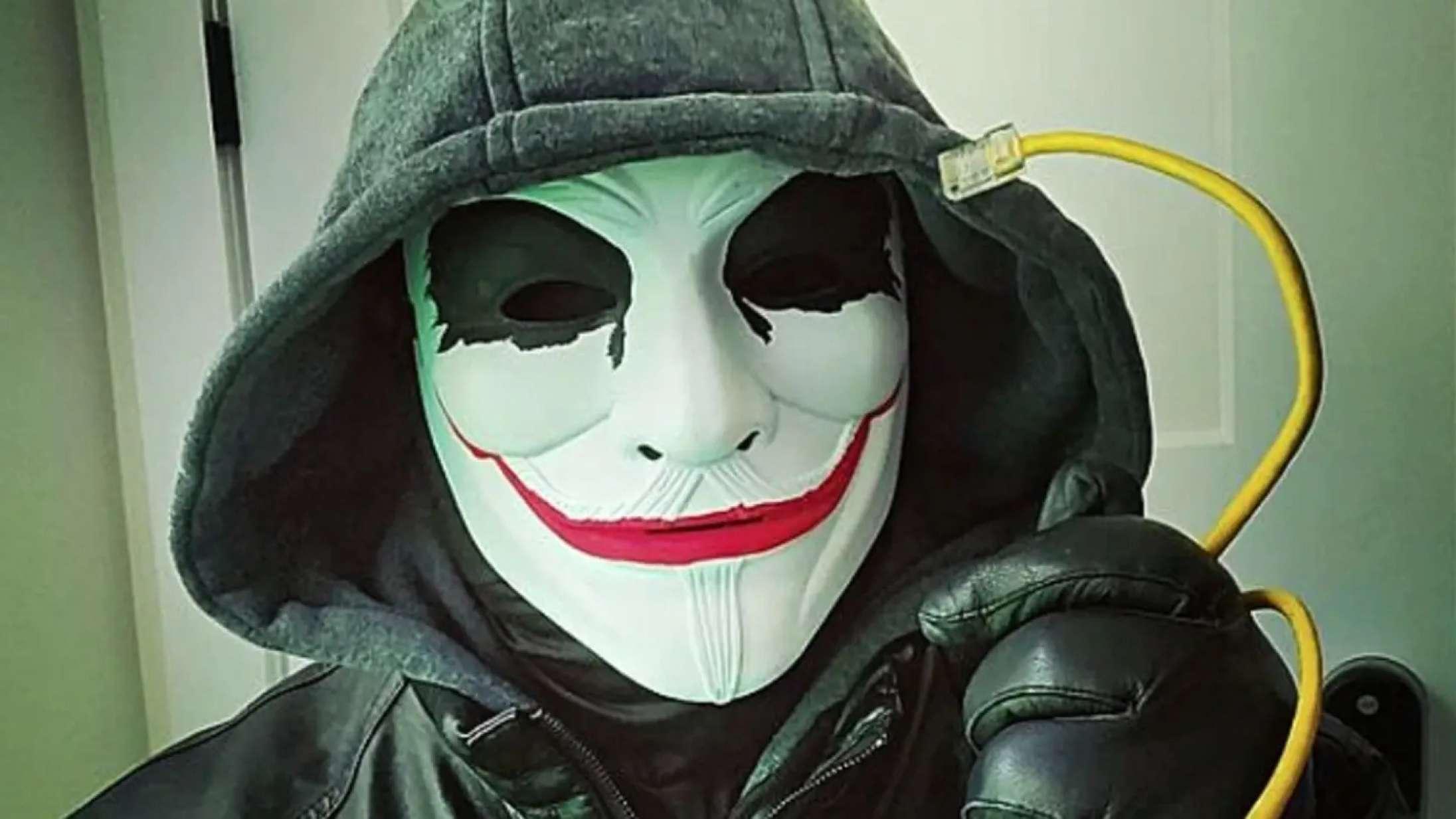 En anonym gruppe er begyndt at jagte racister og pædofile på TikTok