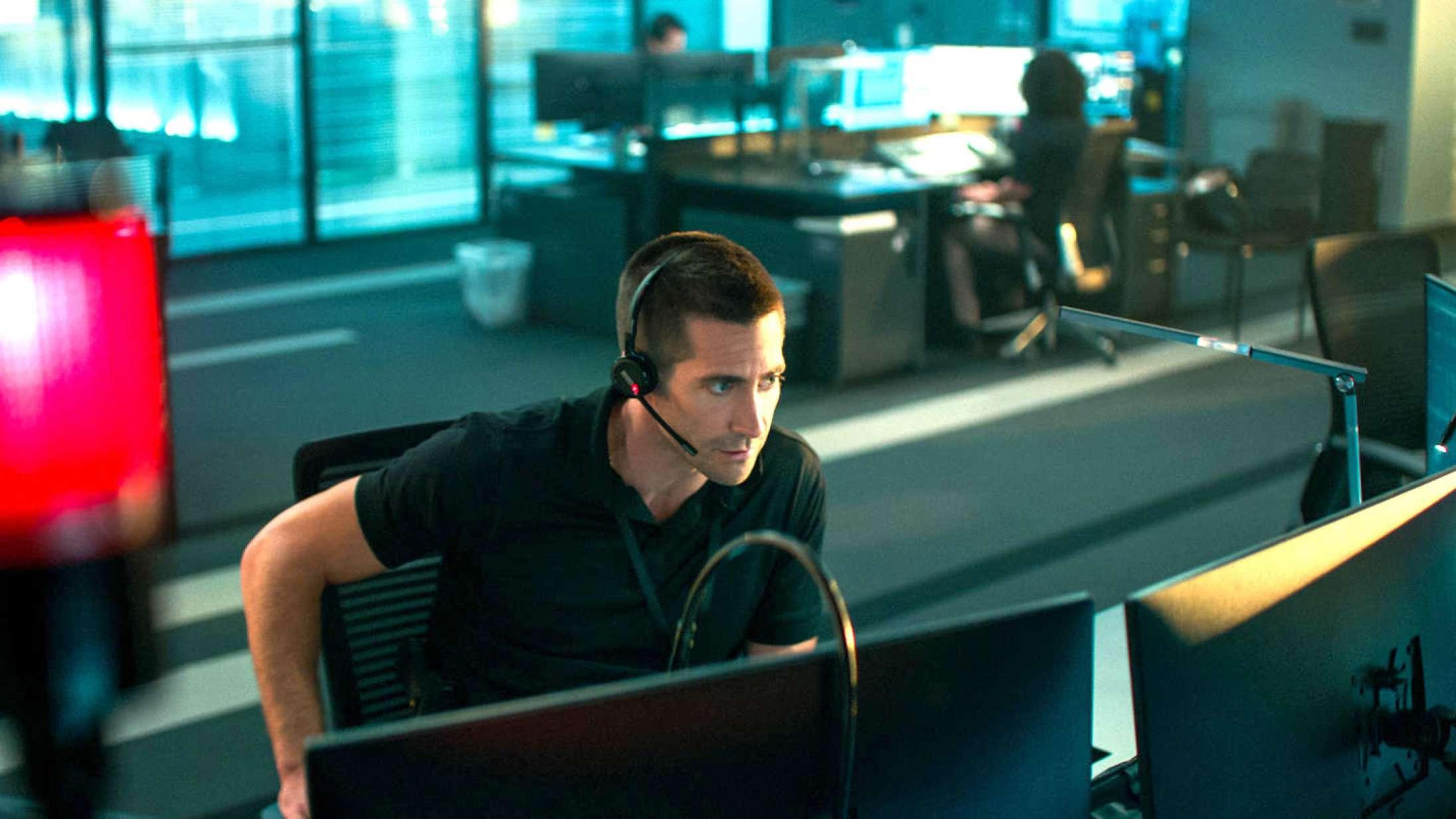 Se første forsmag på Jake Gyllenhaals remake af den danske thriller 'Den skyldige'