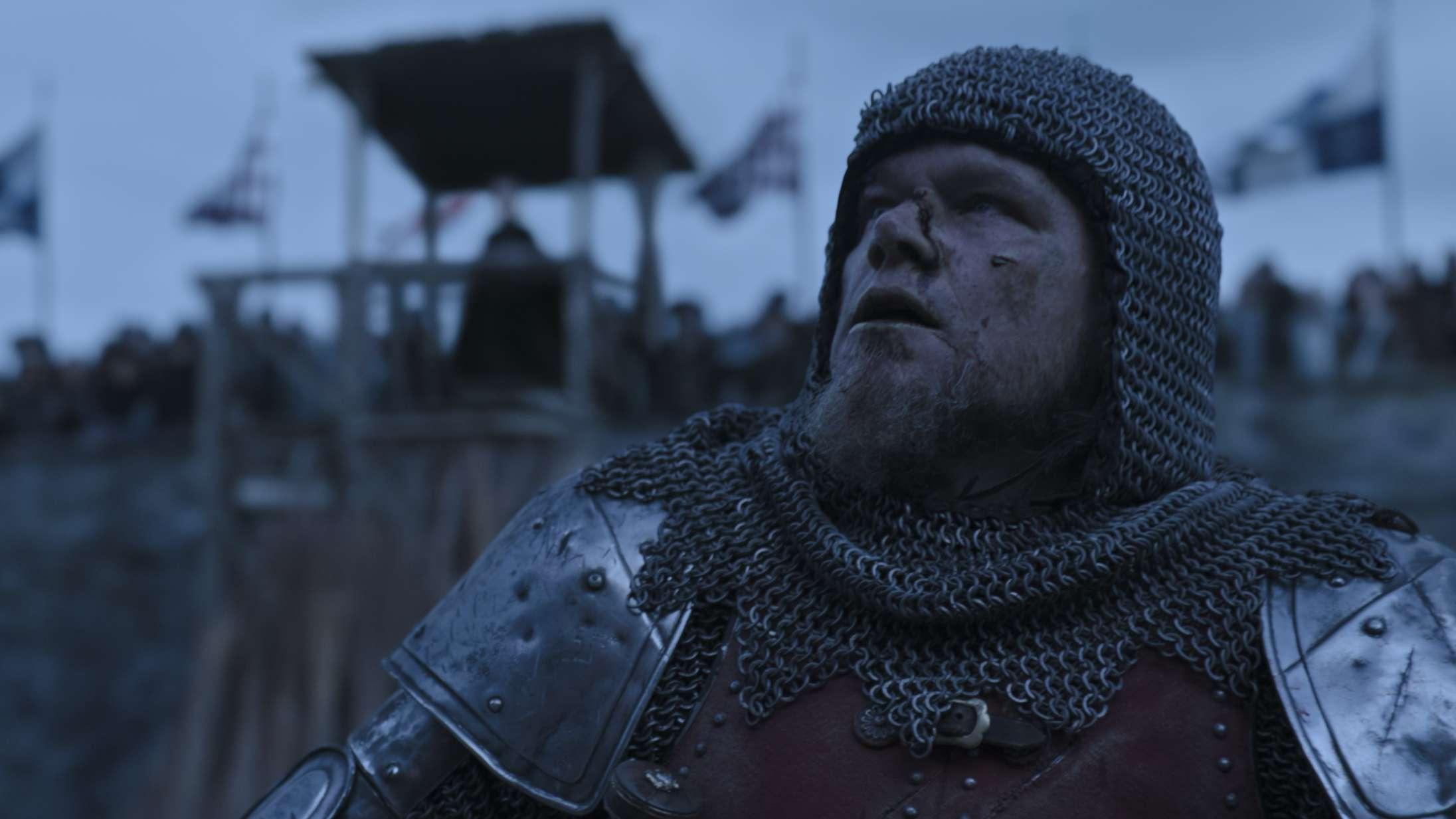 Matt Damon og Ben Afflecks stort anlagte MeToo-ridderfilm 'The Last Duel' leverer brutale kampscener – men har et problem