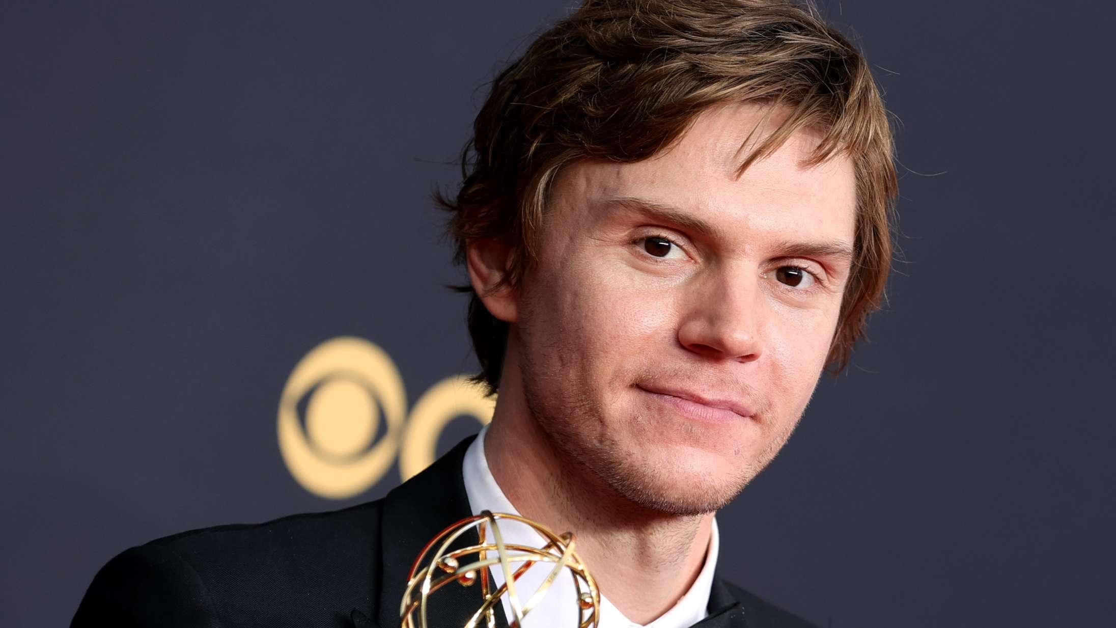 Der skulle en »rigtig« HBO-serie til, før Evan Peters endelig fik den anerkendelse, han fortjener