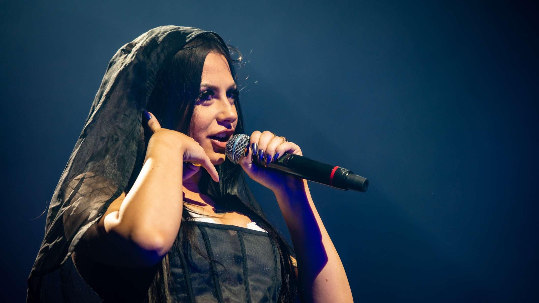 Tessas fans mindede os (og måske også hende) om, hvad hun er bedst til